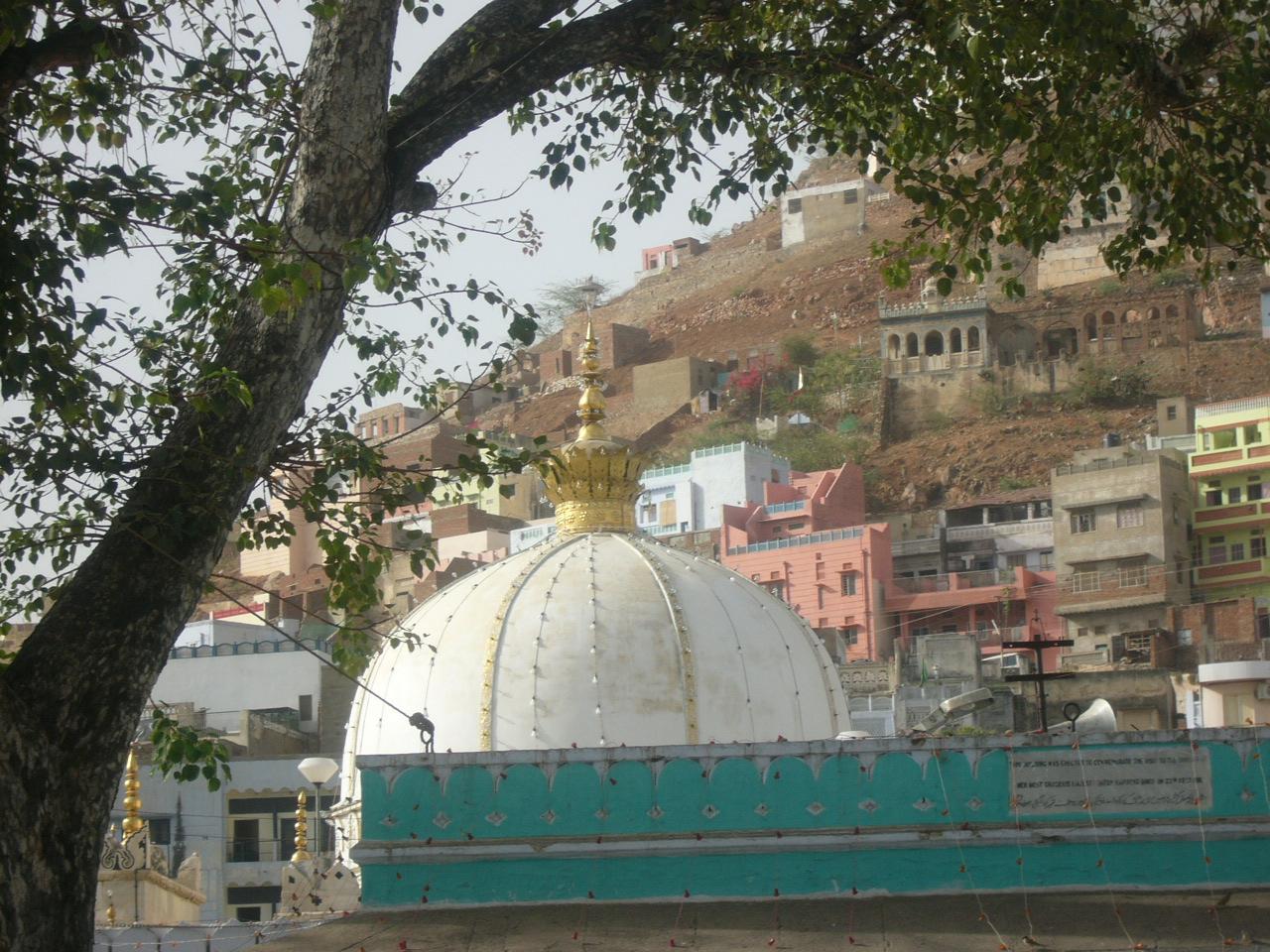 Ajmer India  city pictures gallery : ... Sufi saint Moinuddin Chishti Ajmer India 3 Wikimedia Commons
