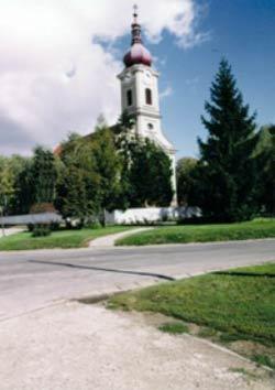 Dvorniky-kostol.jpg