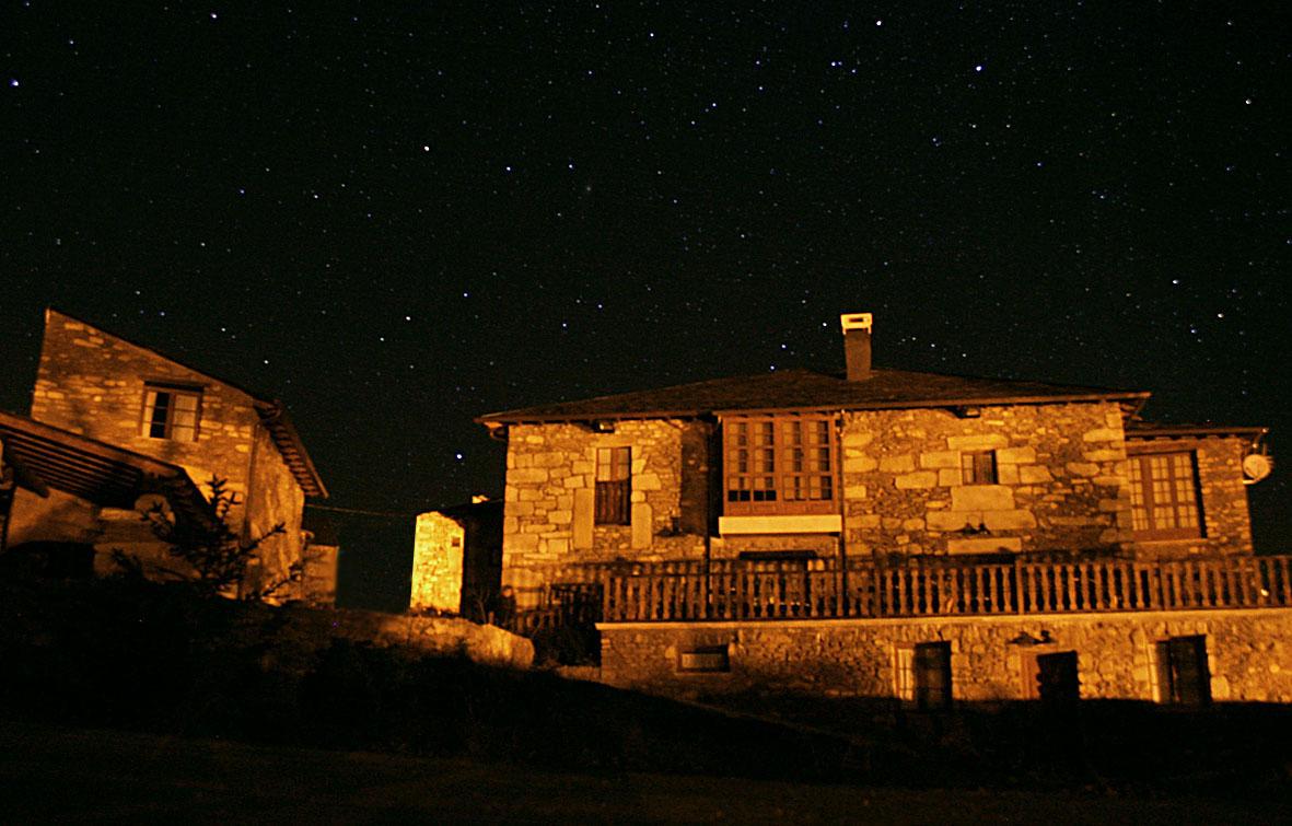 Eido das estrelas, Valdin, A Veiga, Galiza, España.jpg