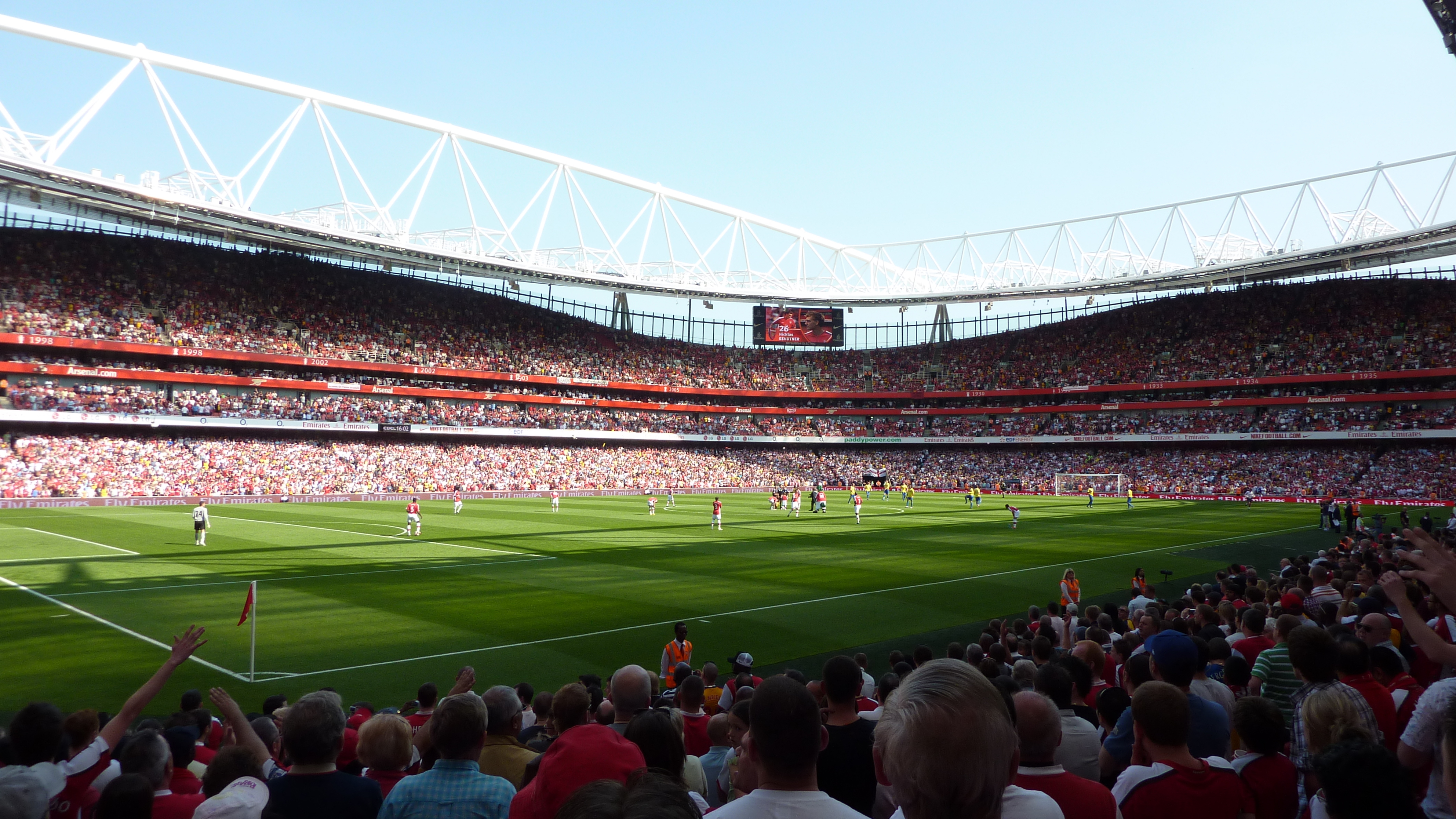 emirates stadium: