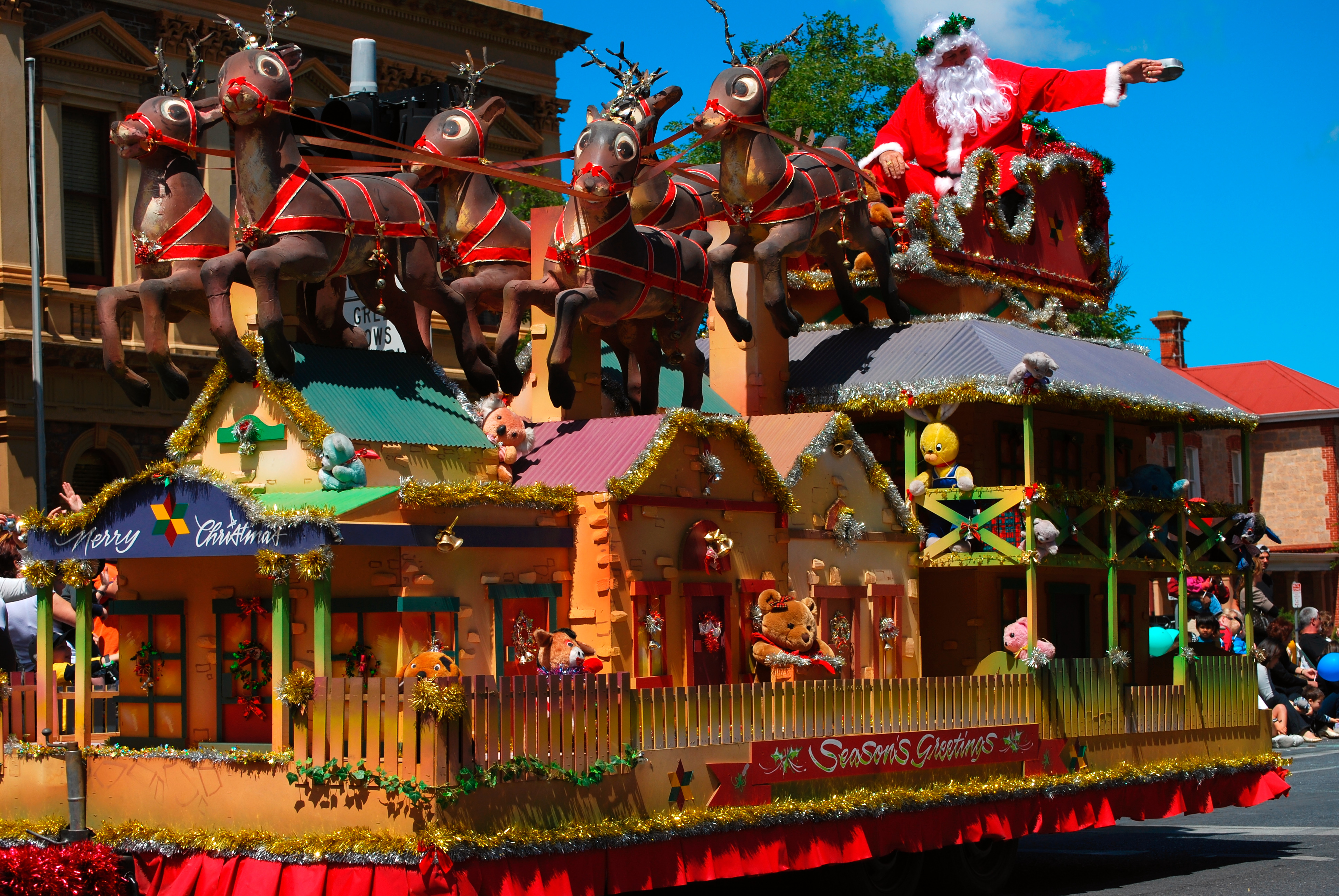 File:Father christmas float - 2008 norwood christmas pageant.jpg ...