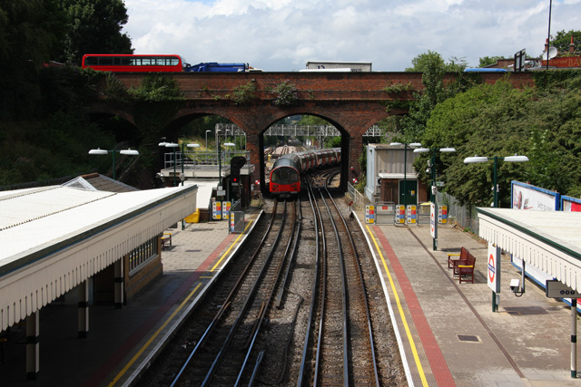 Finchley Central Station - geograph.org.uk - 906451