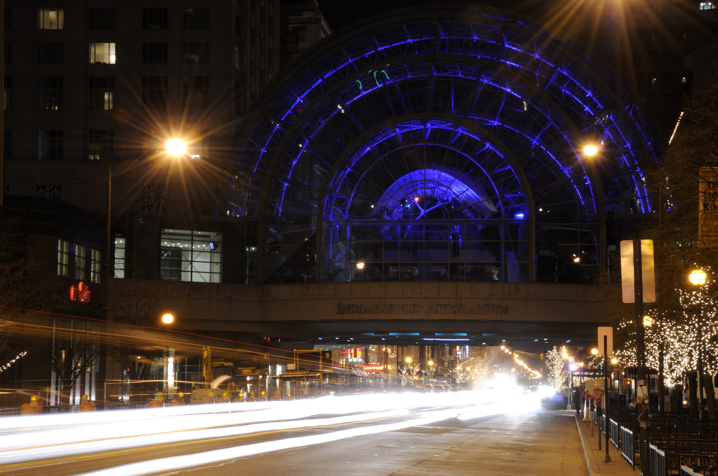 Indy Coach Street Light Indy Artsgarden