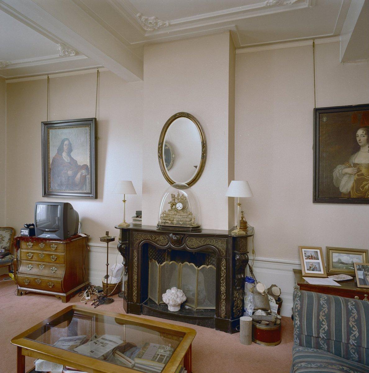 File:Interieur, linker voorkamer, schouw. Datering- laat 19e eeuws ...