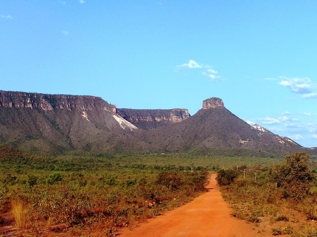 Les paysages arides et secs du Jalapão se mêlant aux montagnes sont la représentation parfaite du cerrado brésilien. Tocantins Brésil