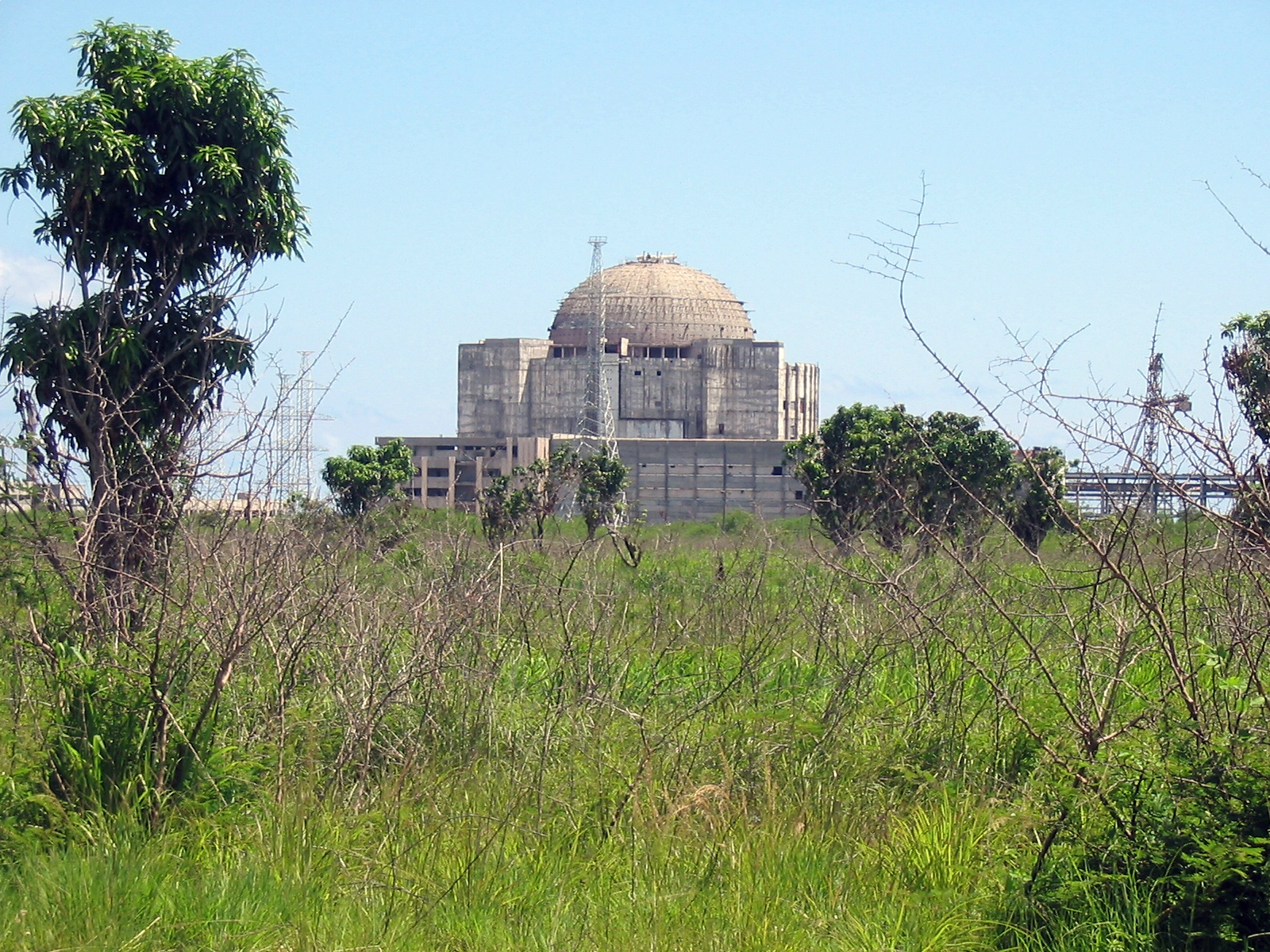 http://upload.wikimedia.org/wikipedia/commons/a/a0/Juragua_Nuclear_Power_Plant.jpg