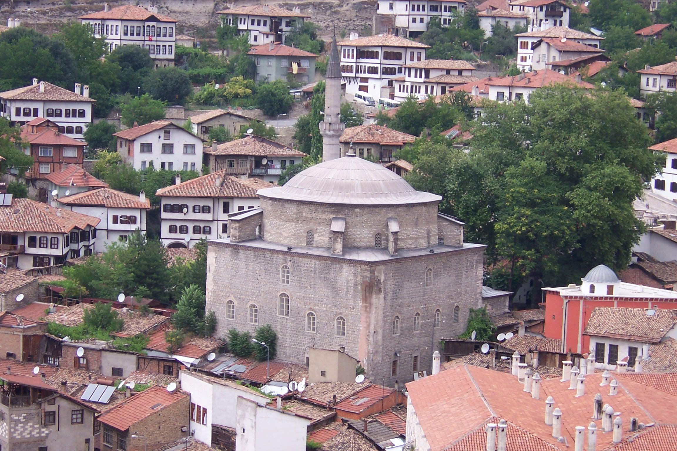 File:Köprülü Mehmet Paşa Camii.jpg - Wikimedia Commons