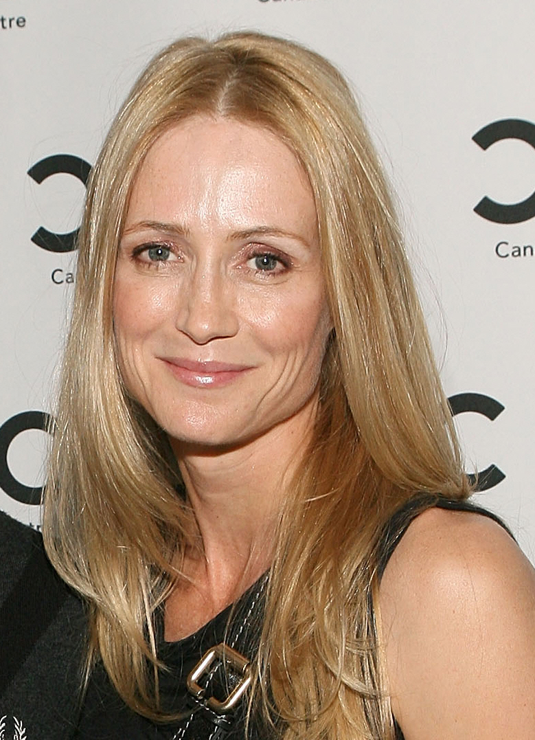 Kelly Rowan Net Worth
