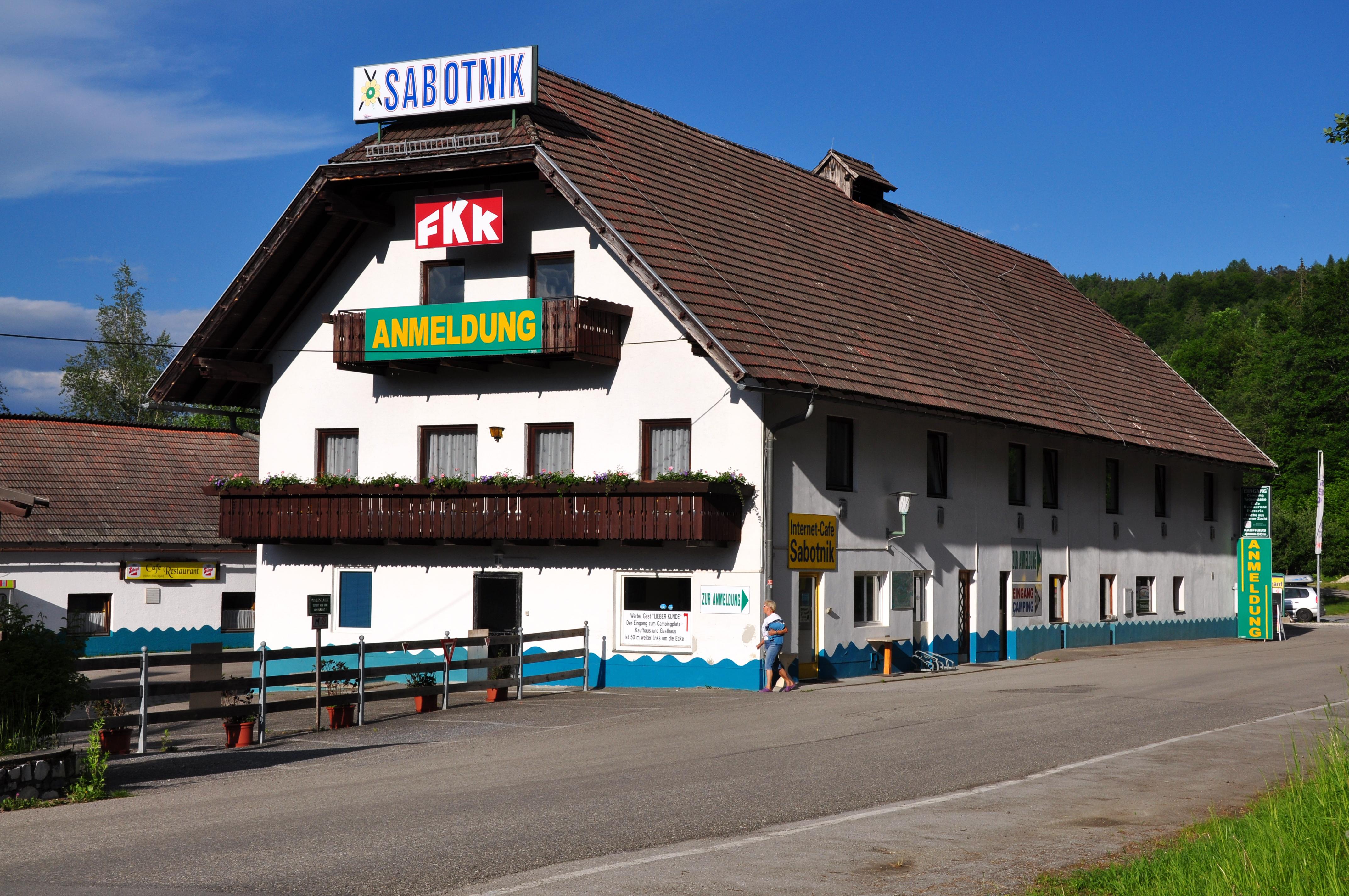 ... :Keutschach Dobein 9 vulgo SABOTNIK Hube FKK-Camping 30052010 03.jpg
