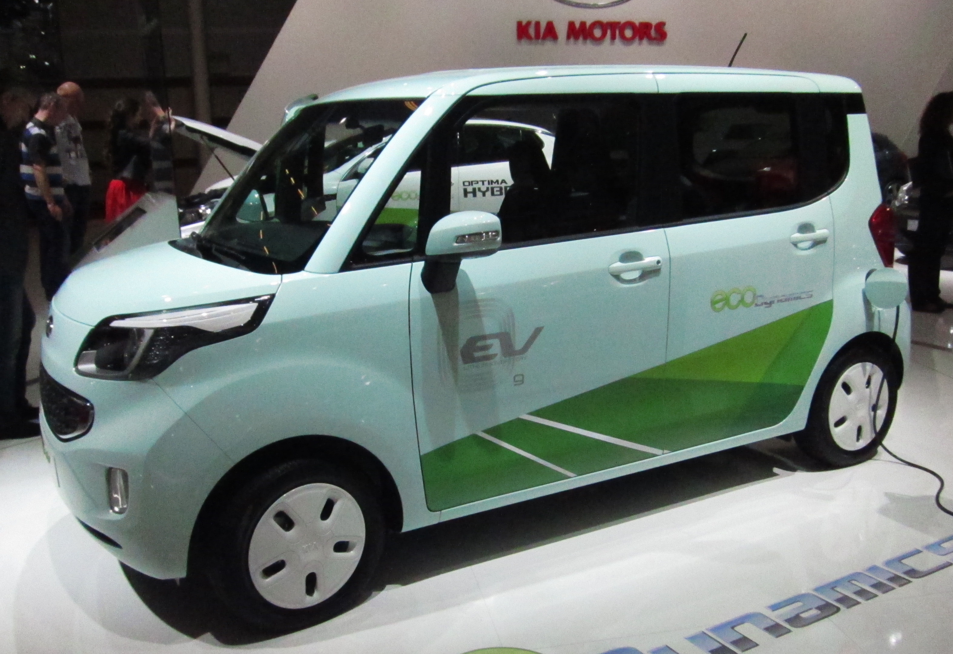 File Kia Ray Ev Front Quarter Jpg Wikimedia Commons