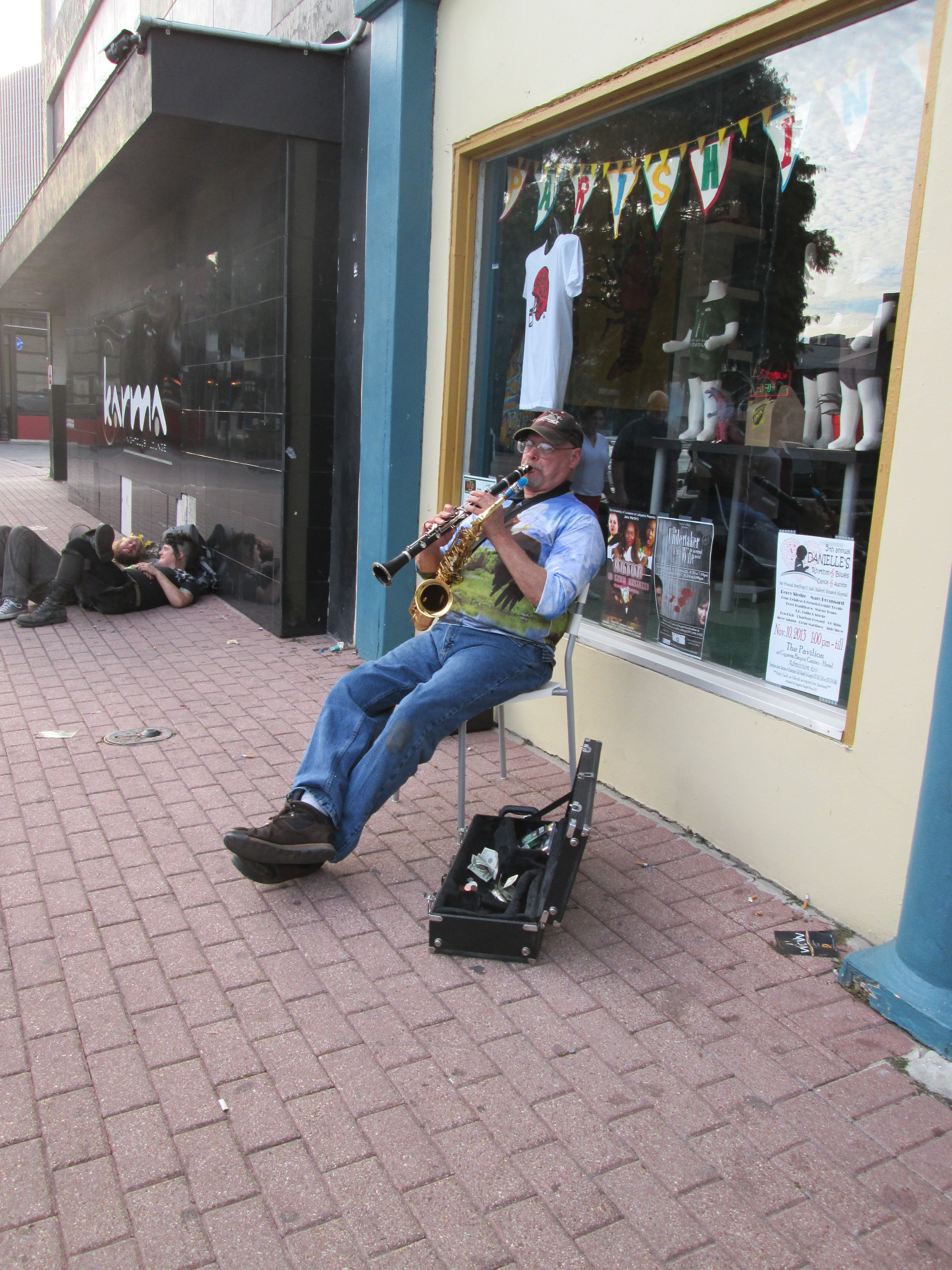 File:Lafayette LA Nov2013 Jefferson St Fun Clarinet JPG - Wikimedia