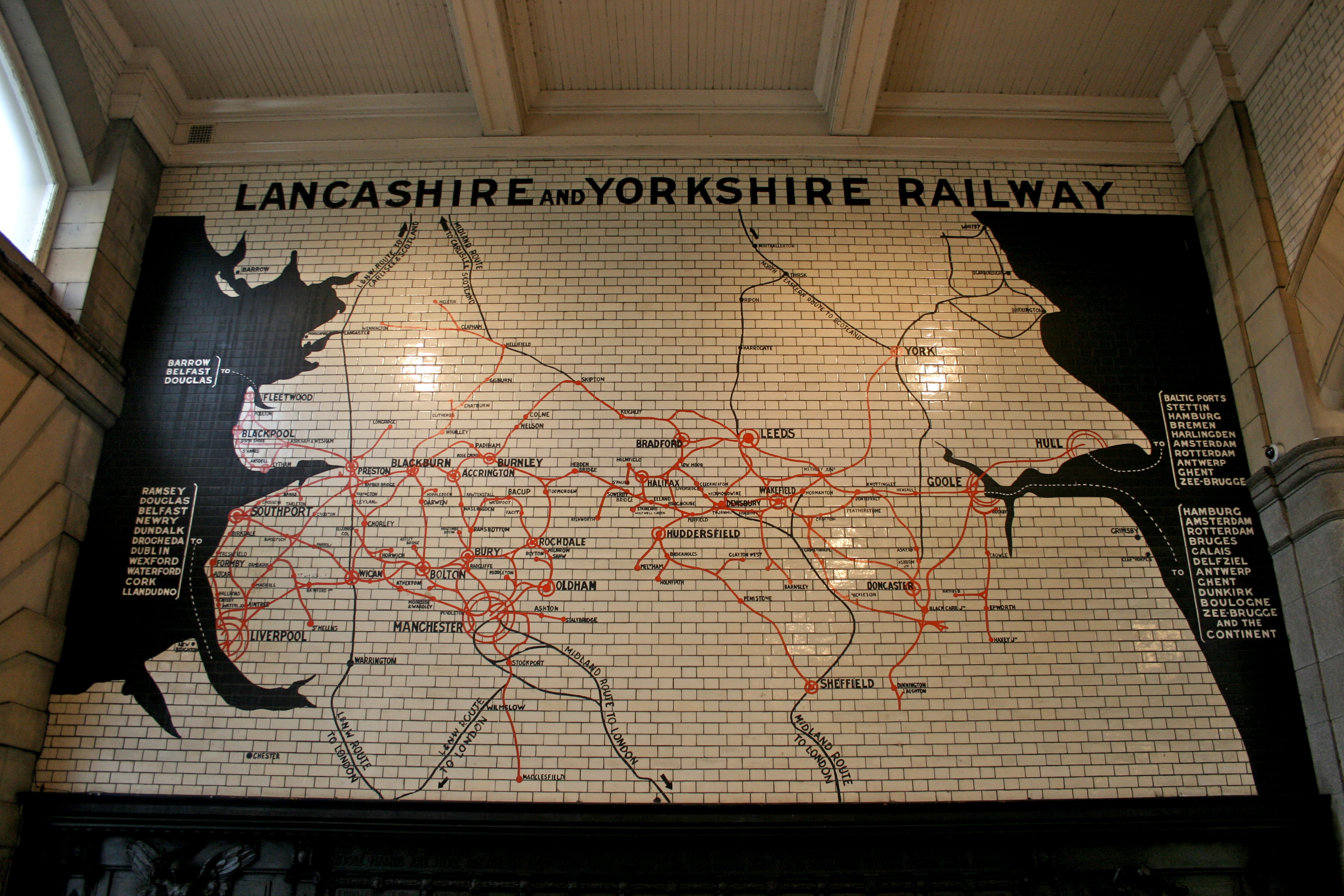 FileLancashire and Yorkshire Railway map at Victoria Stationjpg