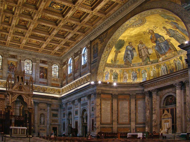 Sankt Paul vor den Mauern mit Papst-Bildern
