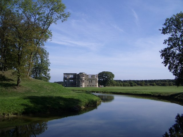 Lyveden New Bield, Snail Mount and Moat - geograph.org.uk - 324723