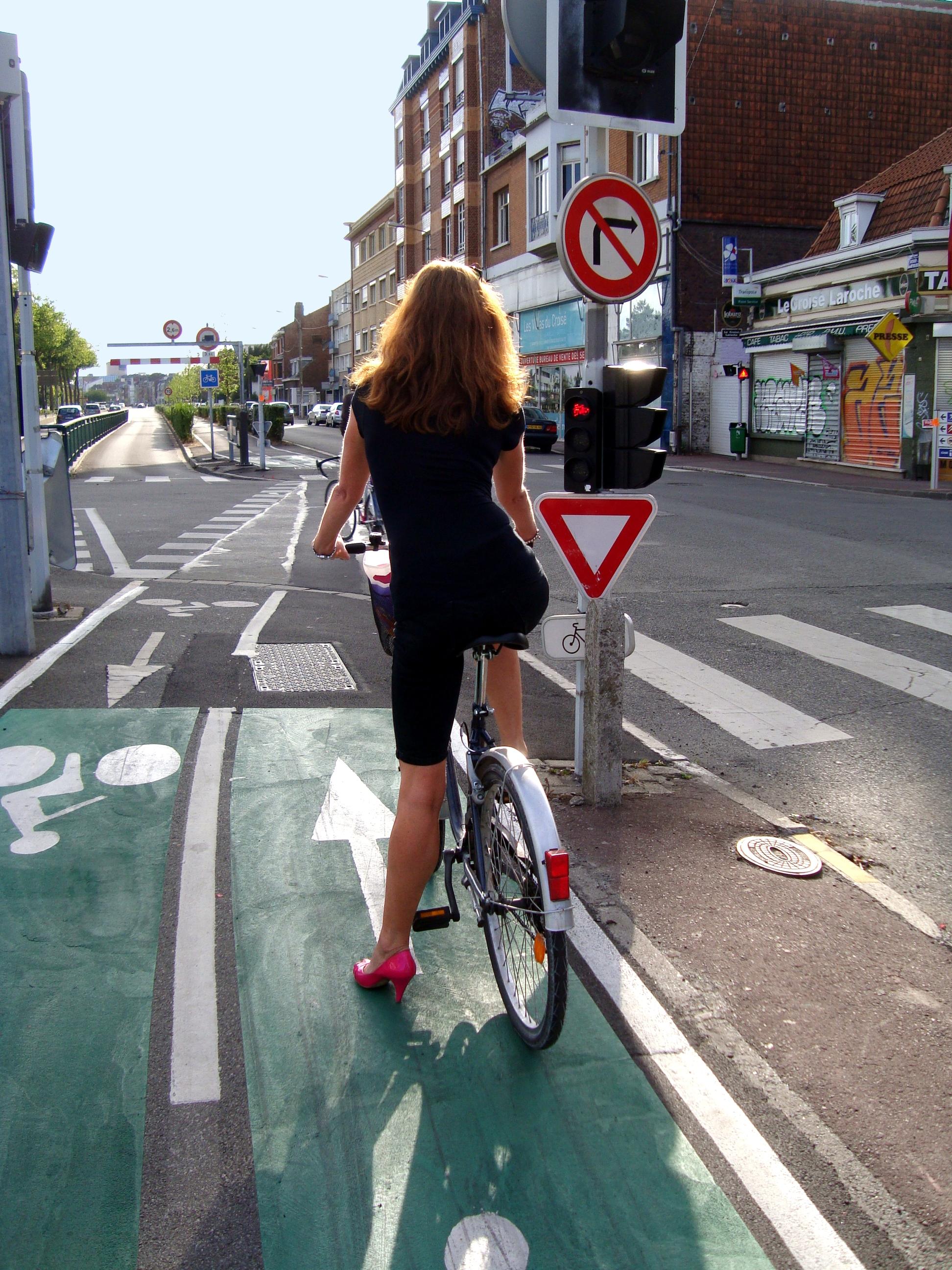 Feu tricolore piste cyclable