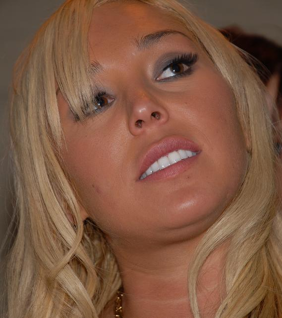 File:Mary Carey Porn Star Karaoke 2007-10-02 3.jpg