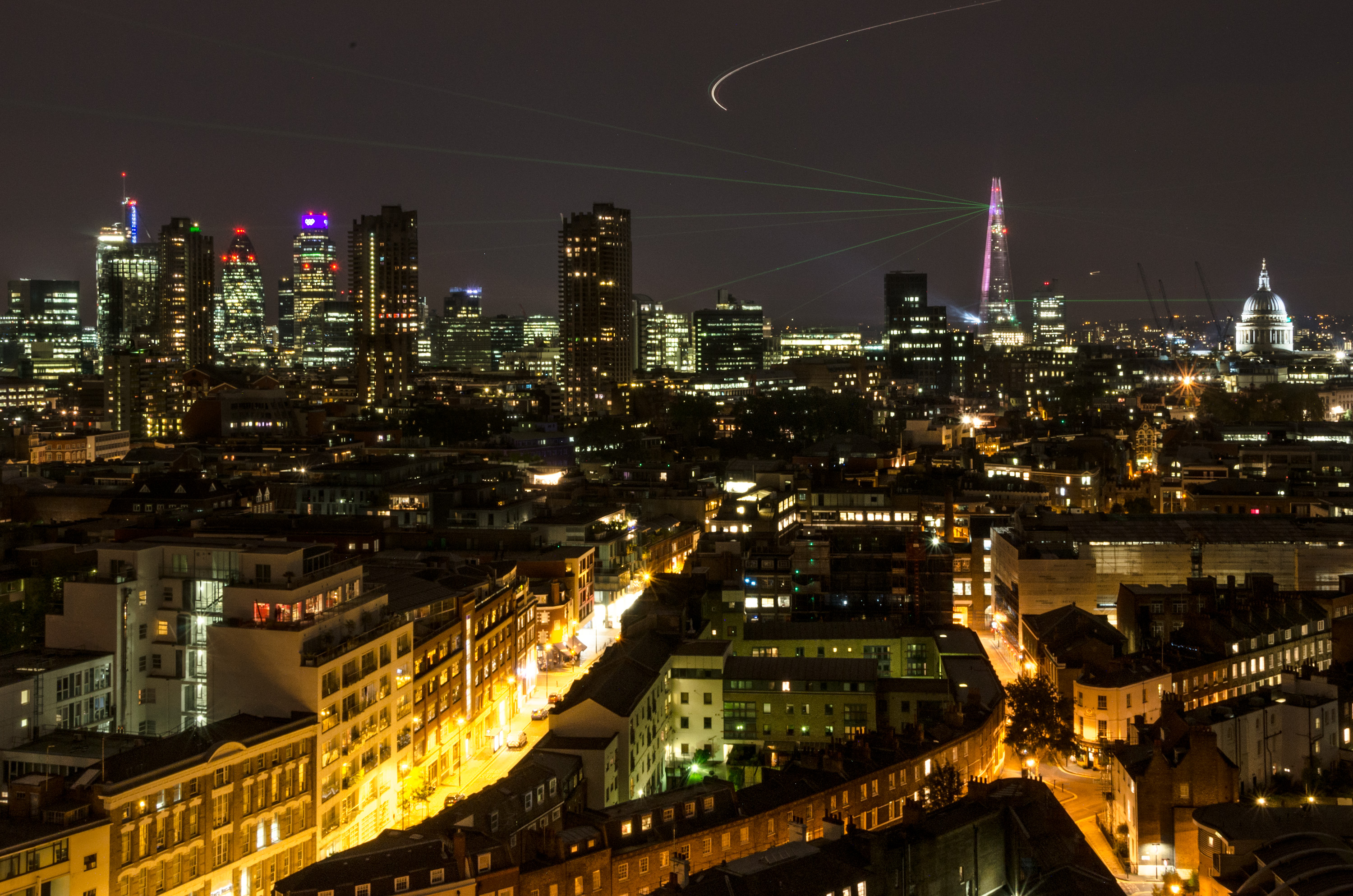 File:Panorama of City of London during The Shard's opening laser show.jpg
