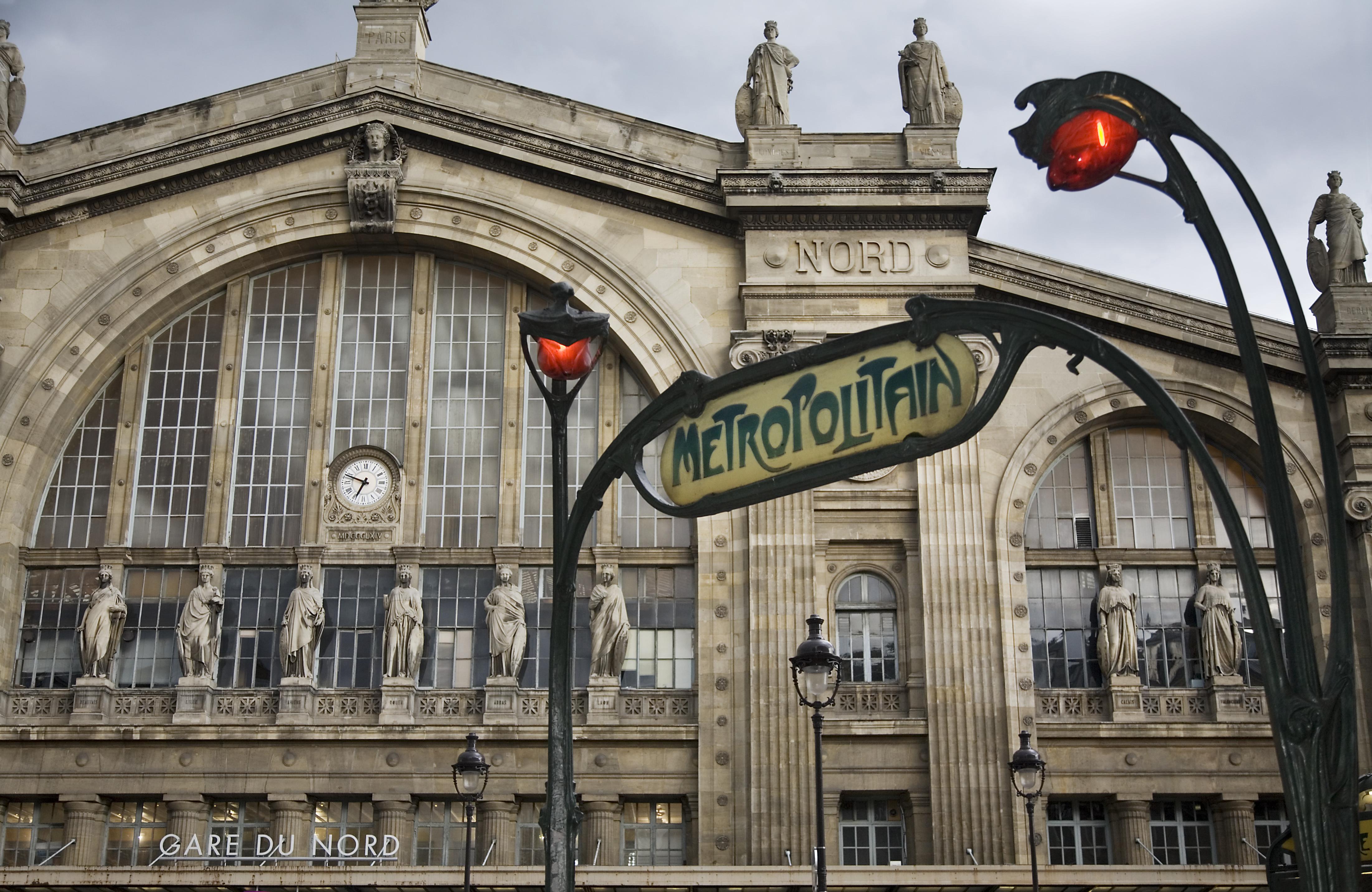 File paris gare du nord and a metropolitain access for Gare du nord paris