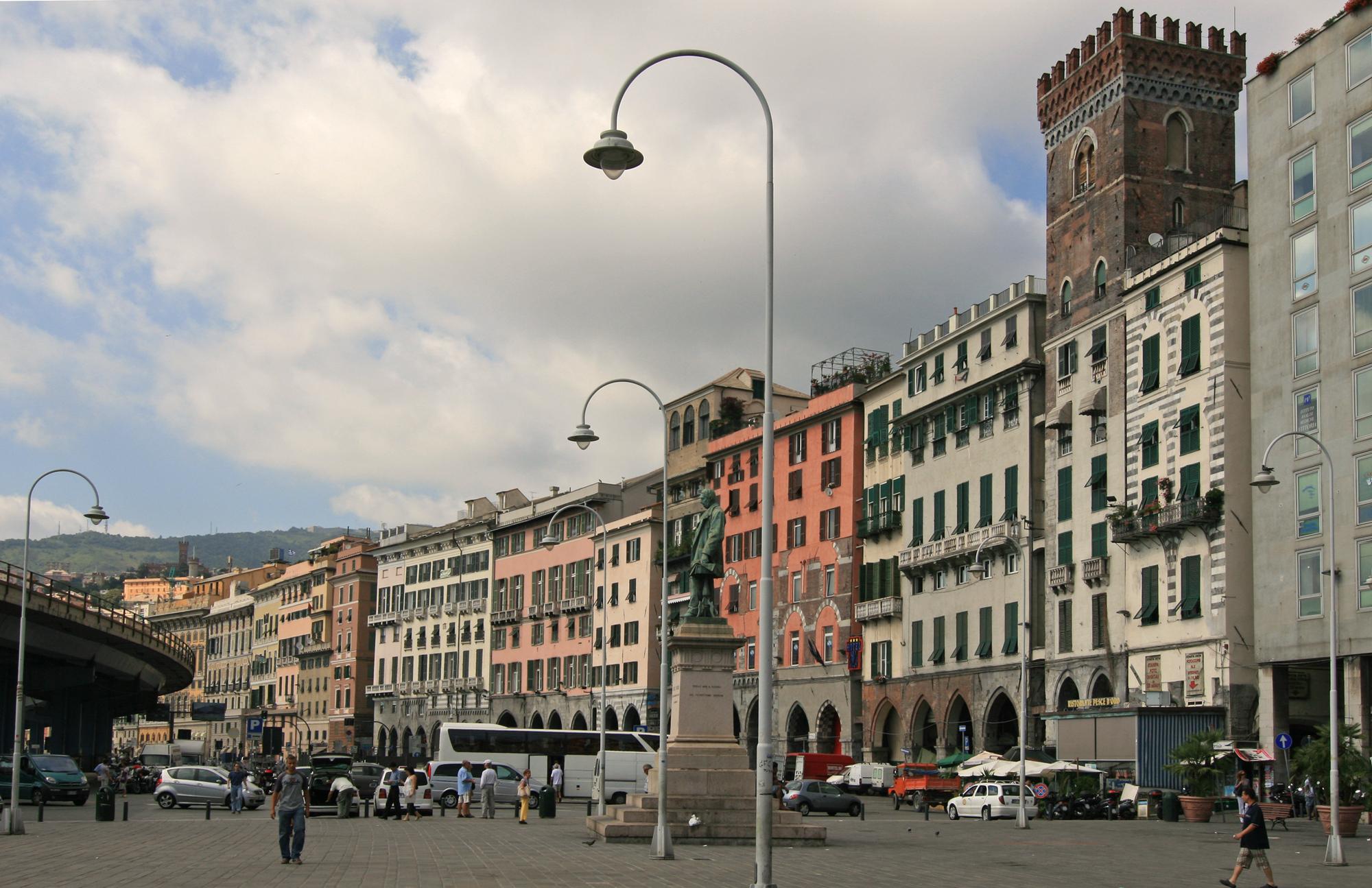 Piazzas in genoa - Arredo bagno via gramsci genova ...