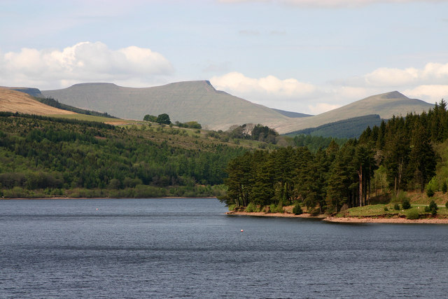 Pontsticill Reservoir and Pen y Fan - geograph.org.uk - 524316