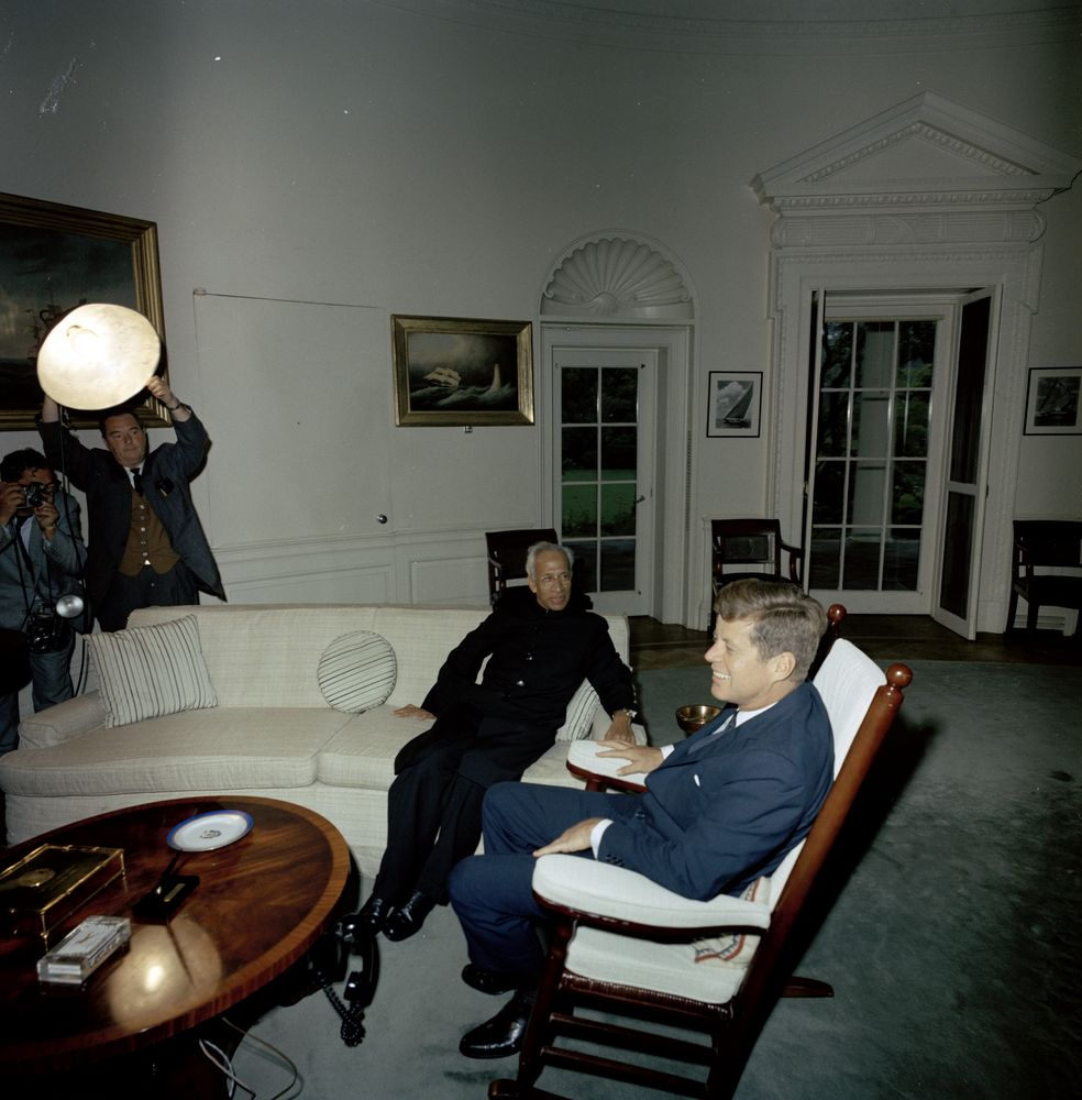 john f kennedy oval office. File:President John F. Kennedy With Indian President Sarvepalli Radhakrishnan, In The Oval F Office E