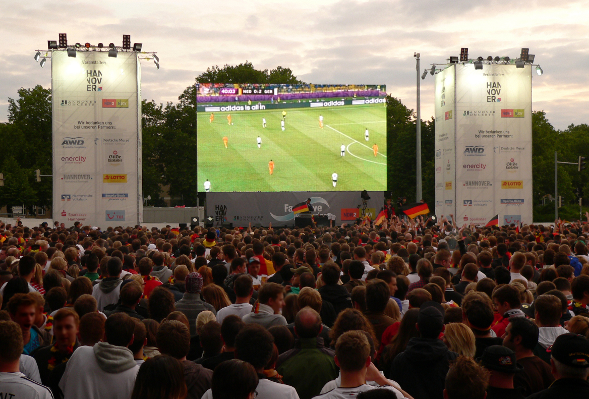 Public_Viewing_Hannover_ ...