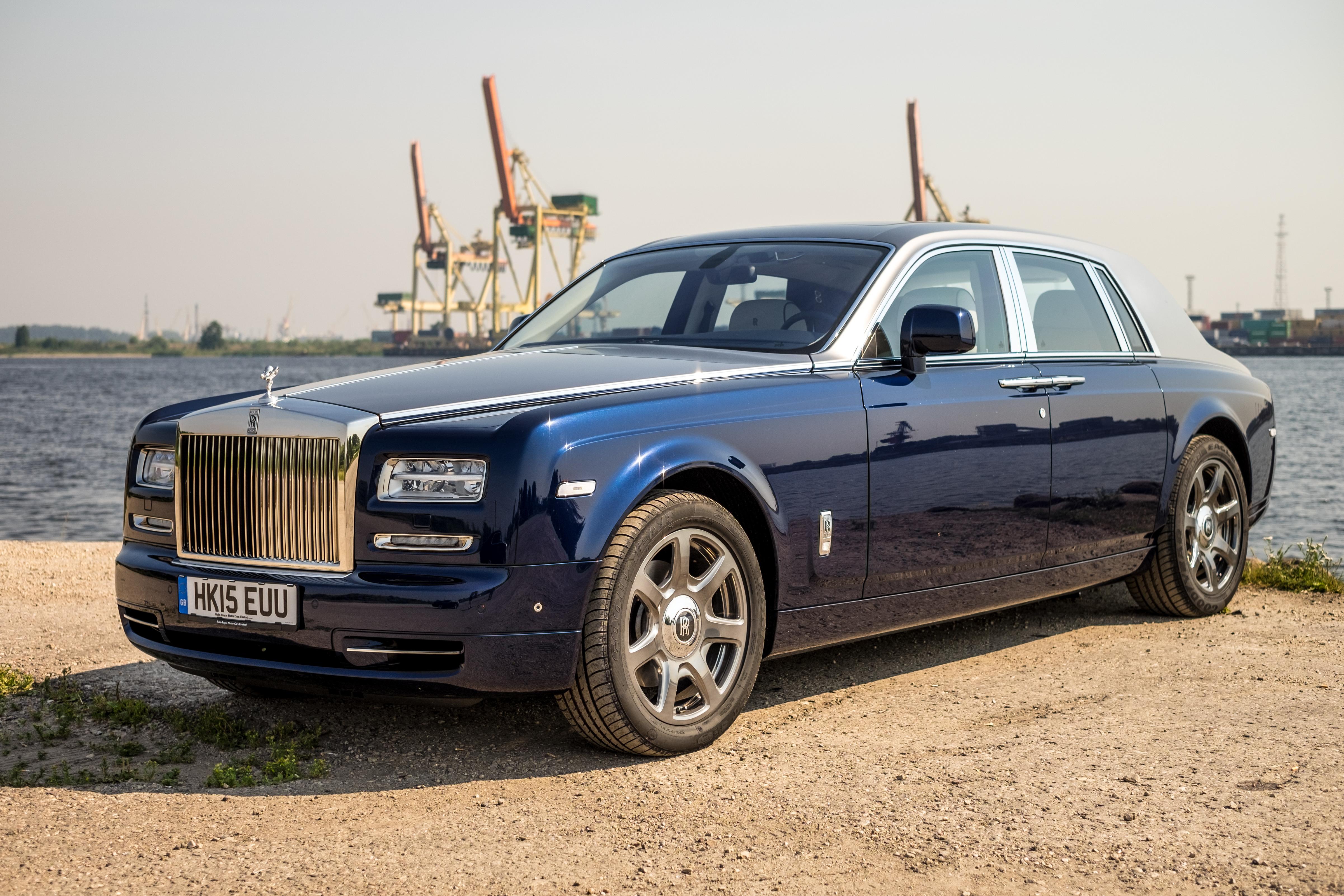 Rolls royce motor cars wikiwand for Rolls royce phantom motor