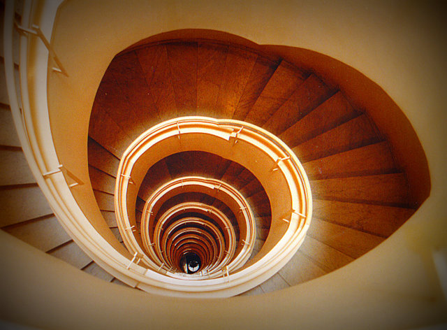File:Round staircase.jpg