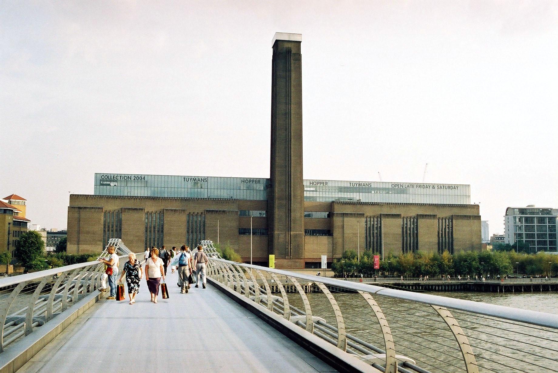 File:Tate Modern - exteriér I. (3. 10. 2004).JPG ...