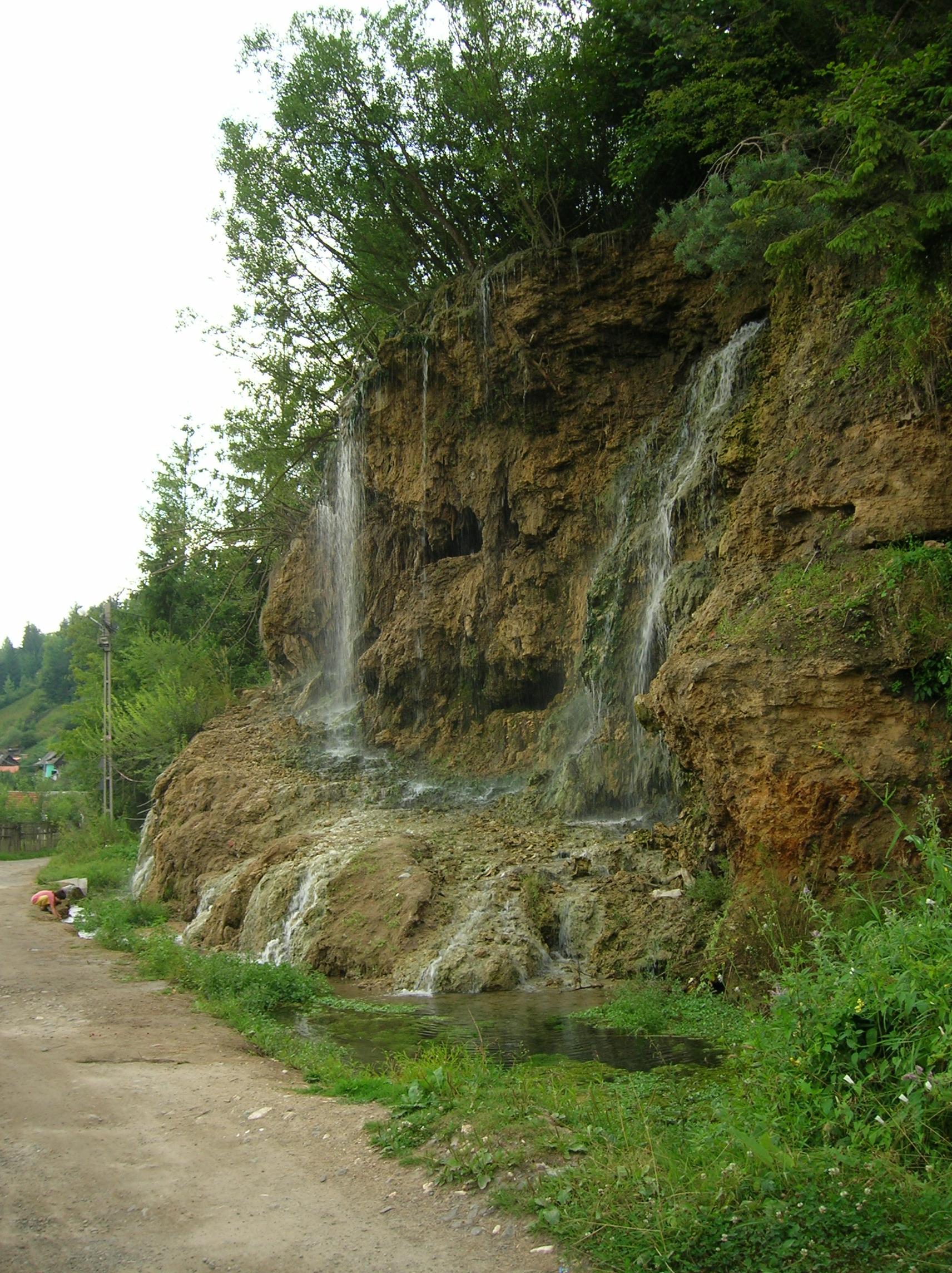 Cascada de apă termală Toplița