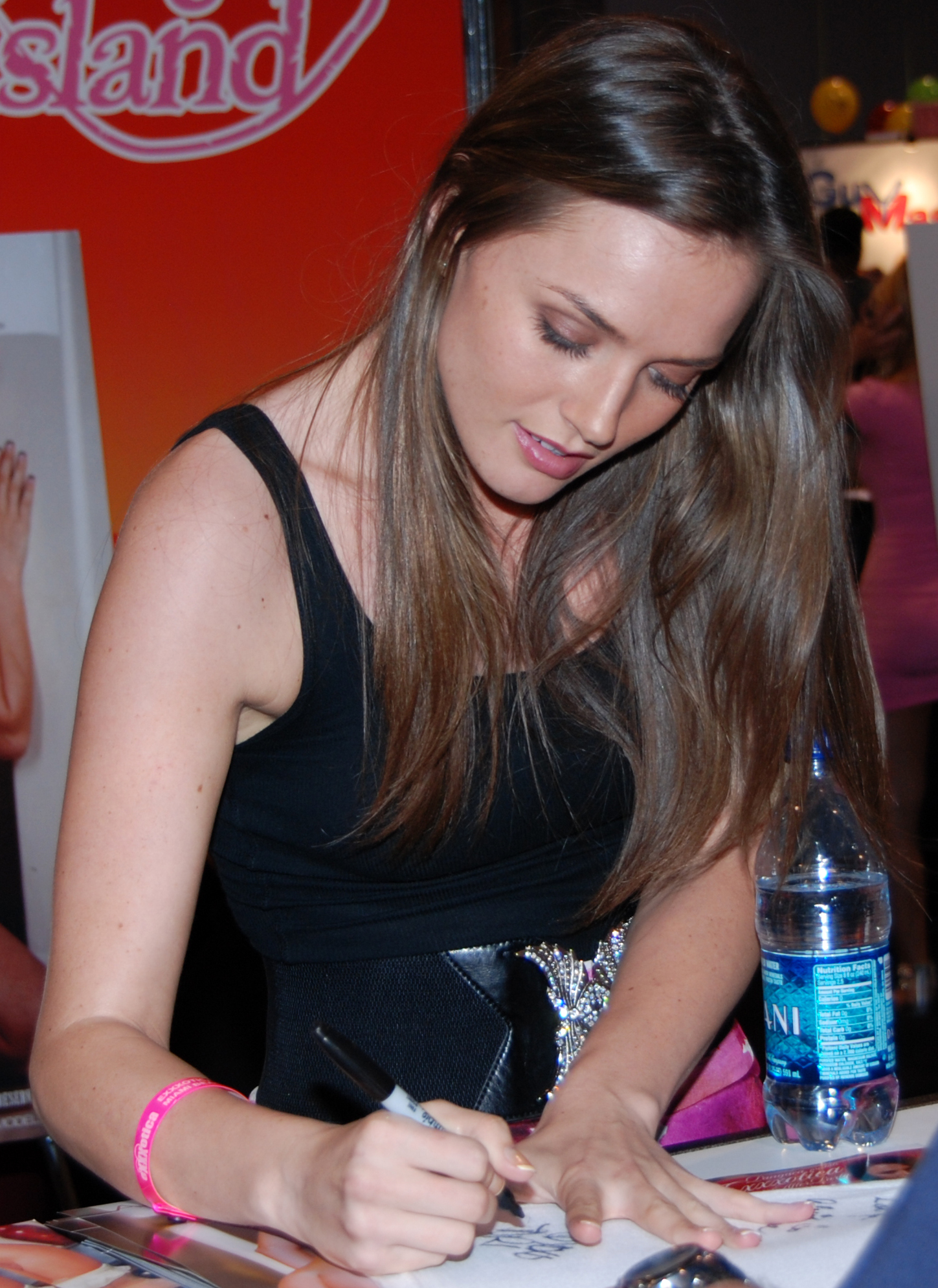 Description Tori Black at Exxxotica Miami 2010.jpg