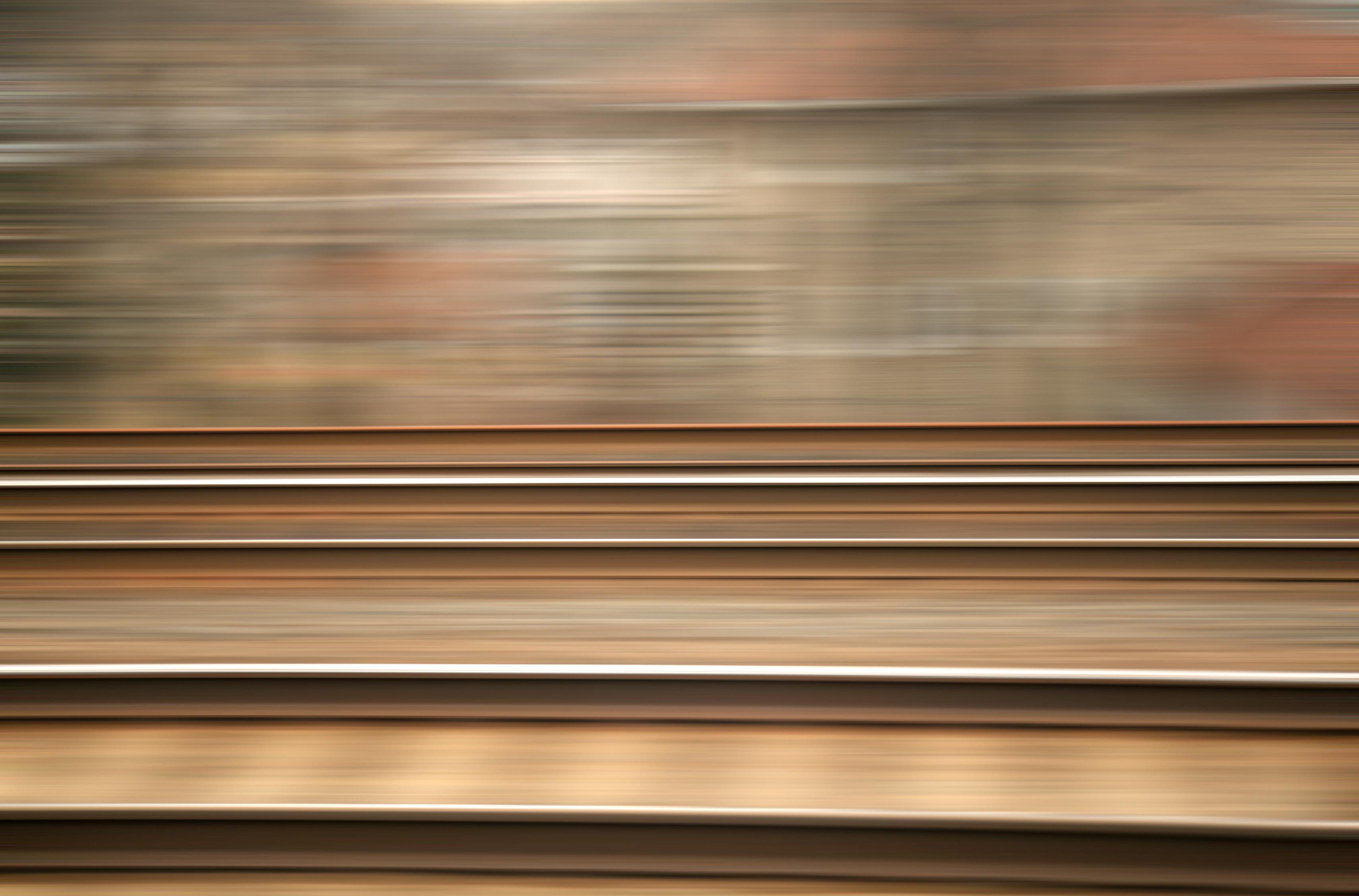 Afbeeldingsresultaat voor moving train