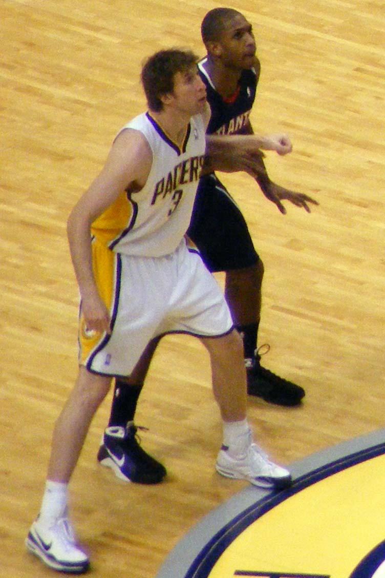 File Troy Murphy Pacers vs Hawks tip off Wikimedia mons