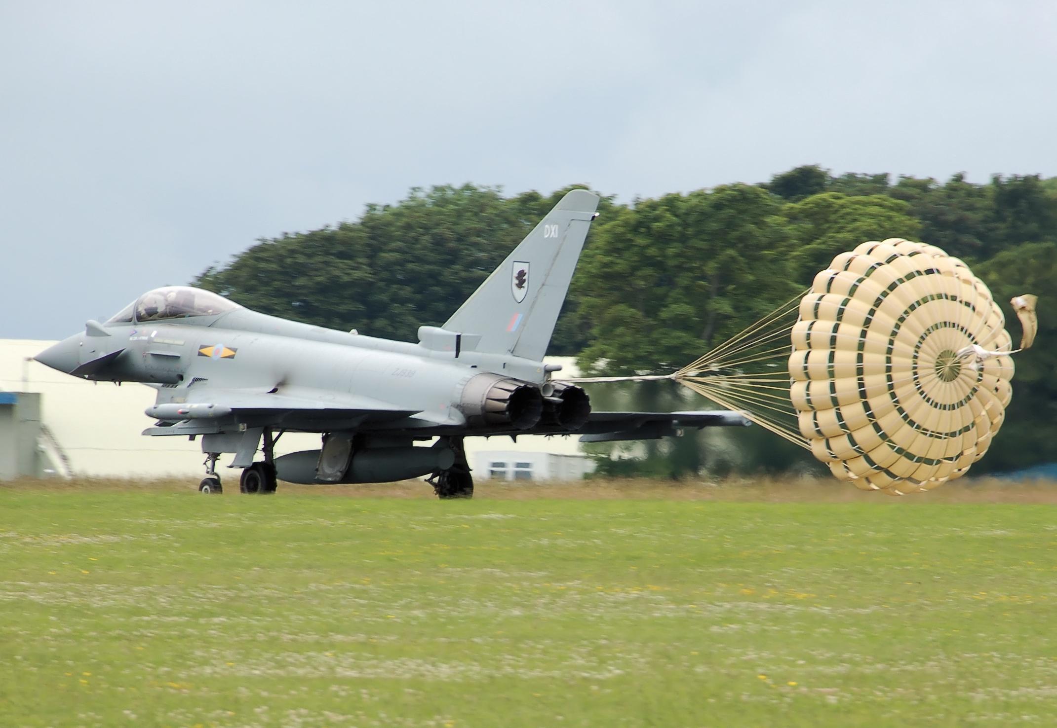 Typhoon_deploying_parachute_arp.jpg