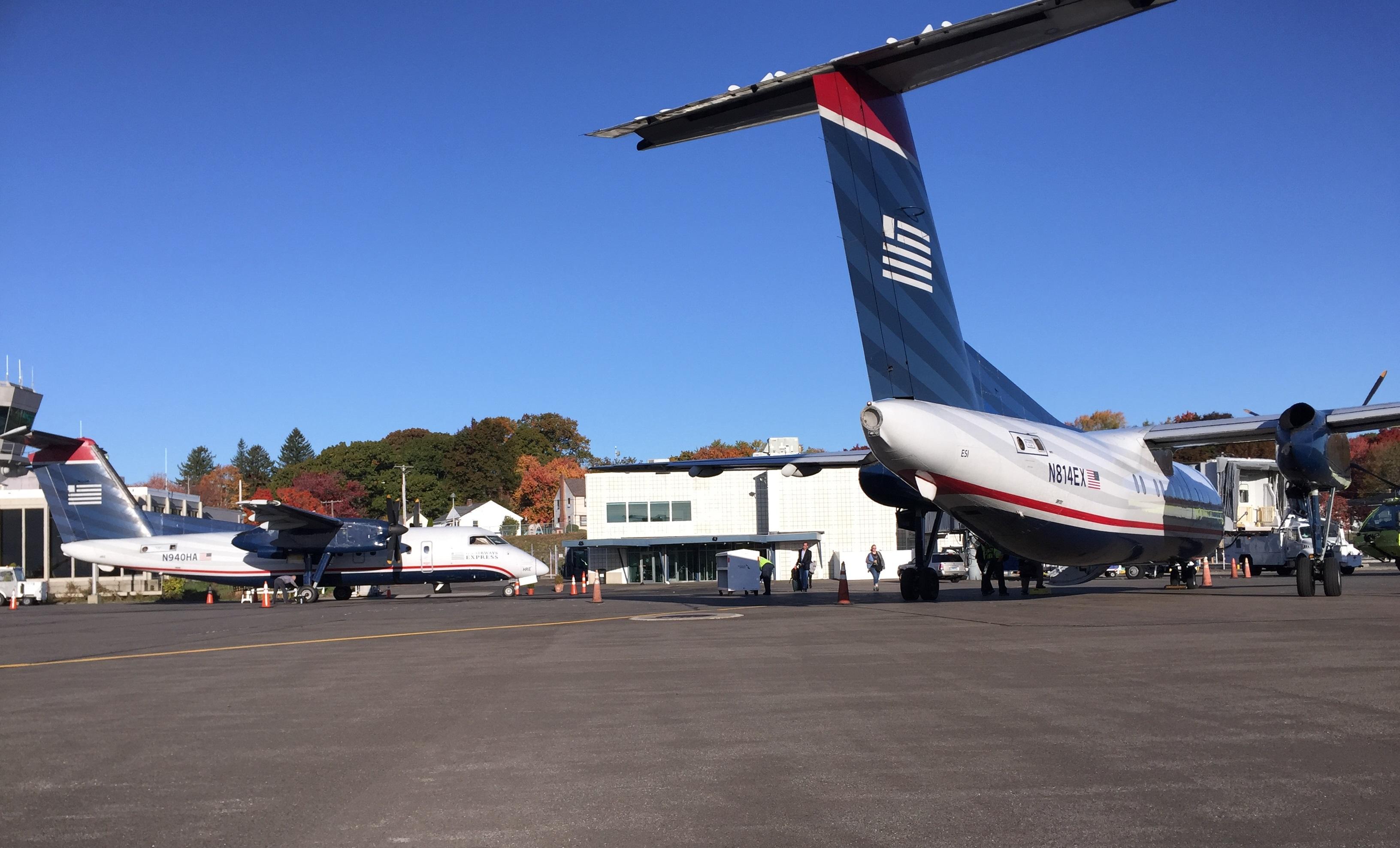 Blue apron wiki - File Us Airways Tweed Jpg