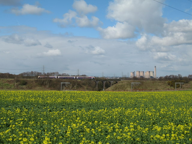 View from Bridgewater Canal Towpath at Keckwick - geograph.org.uk - 737568