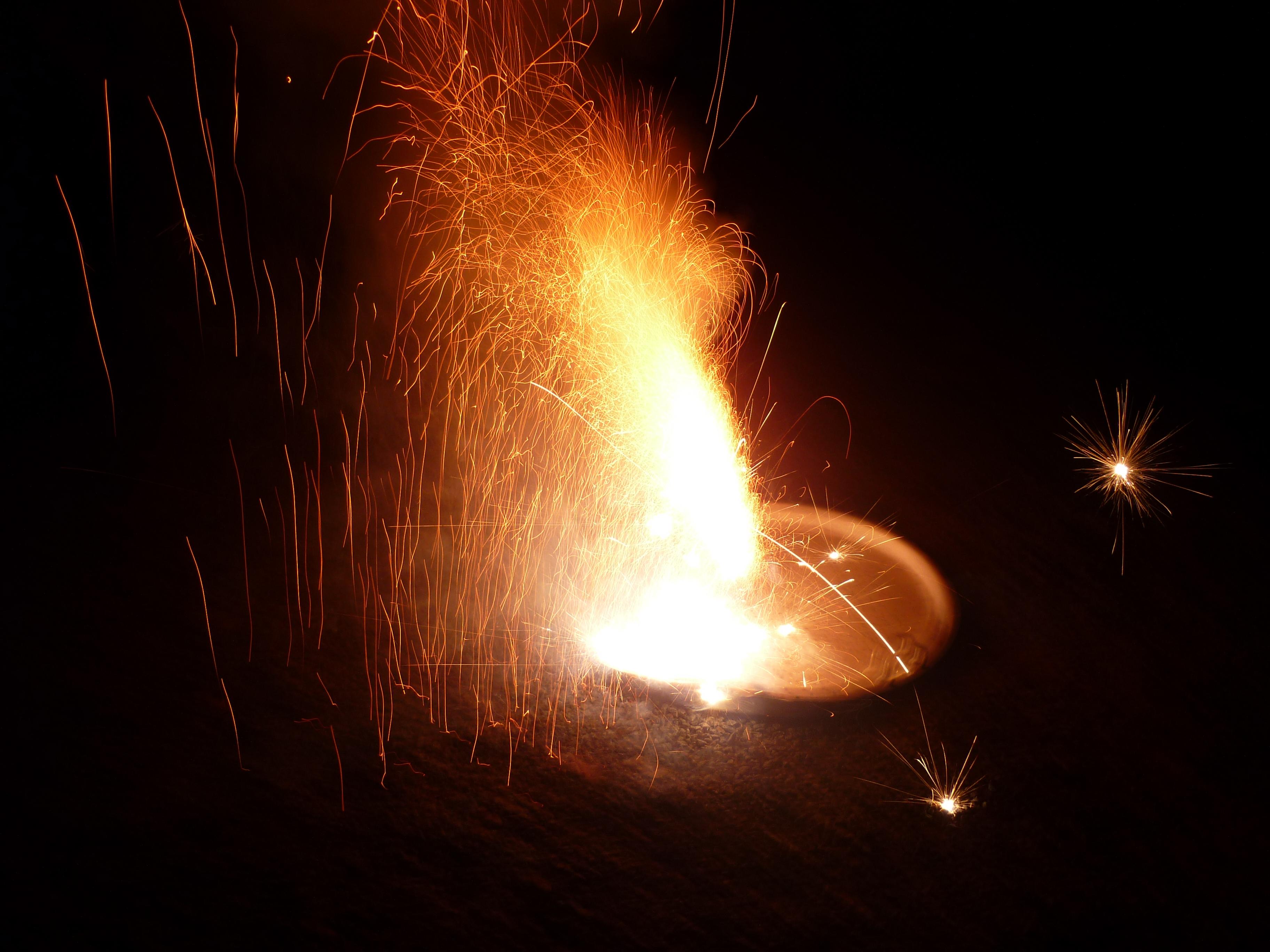 File:Vishu cracker ligtned 1.JPG - Wikimedia Commons