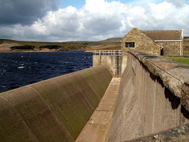 Winscar Reservoir Outflow - geograph.org.uk - 429033