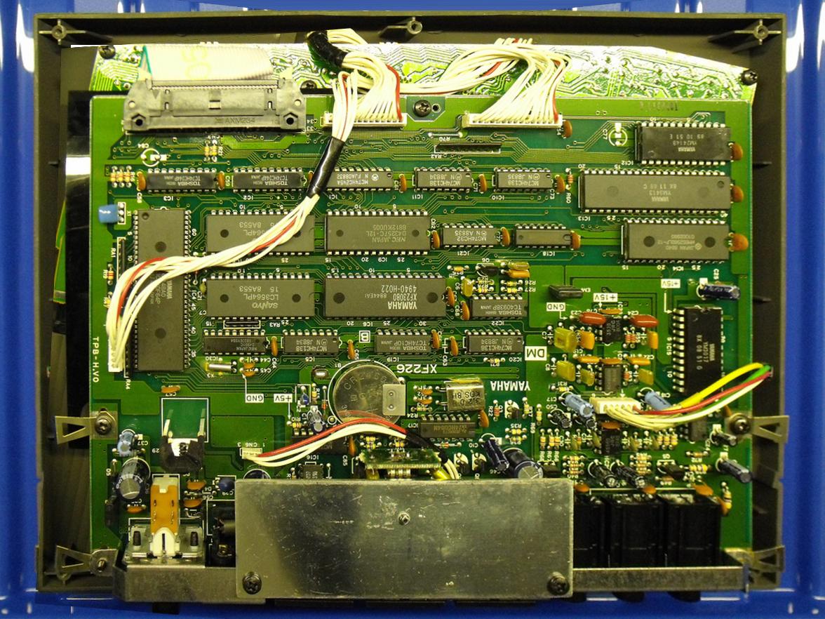 Fileyamaha Tq5 Main Board Wikimedia Commons Cool Electronics Circuits March 2011 Current 0216 26