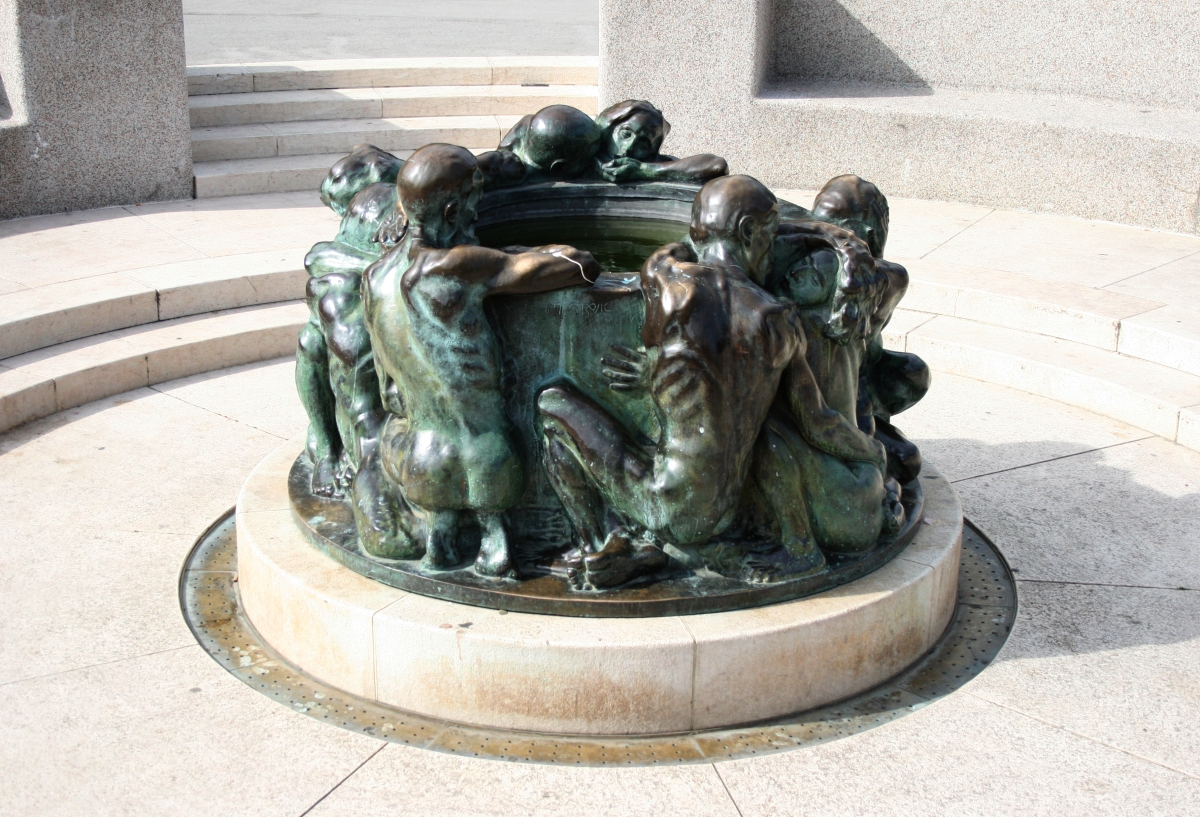 Well Of Life Sculpture Wikipedia
