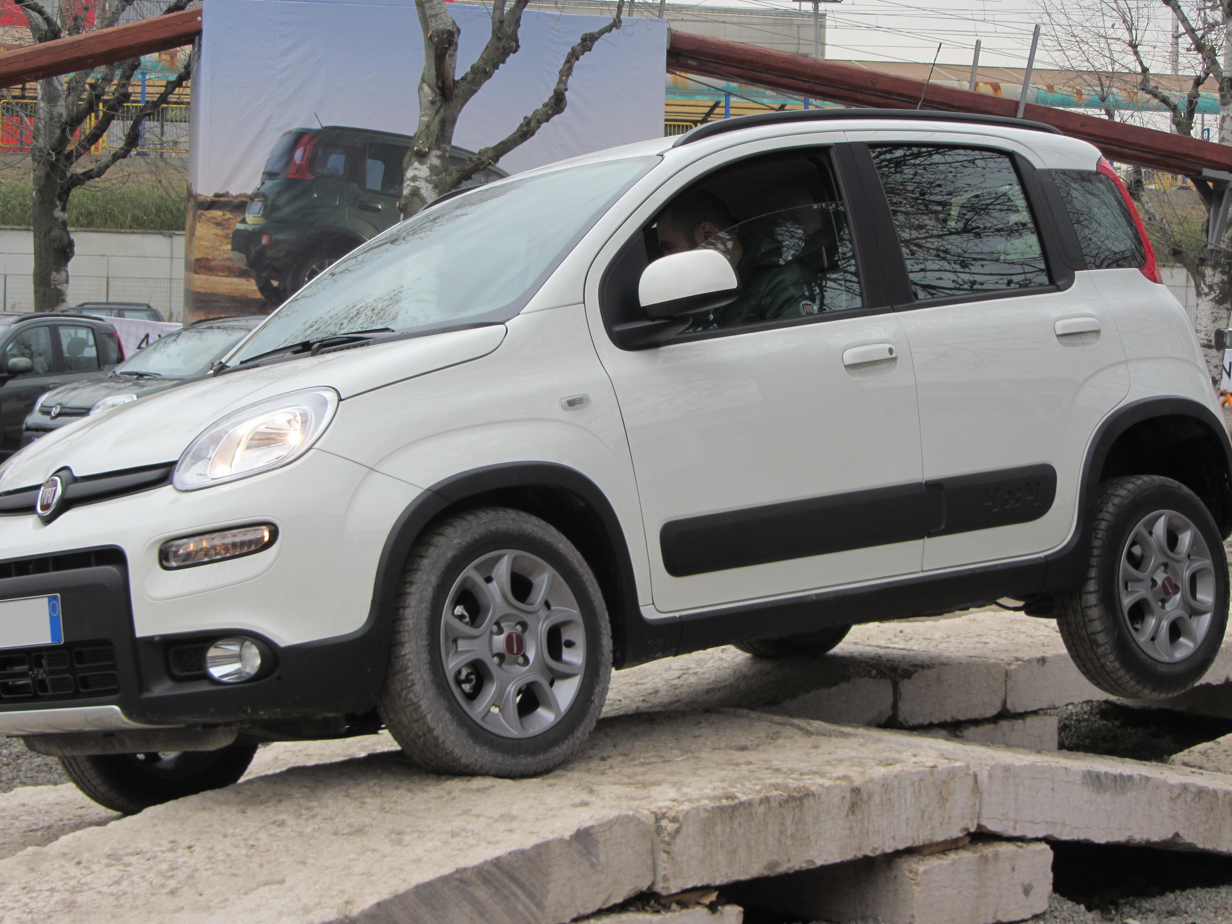 File 12 Italy Fiat Panda 4x4 Off Road Drive Motorshow Di Bologna 007 Jpg Wikimedia Commons