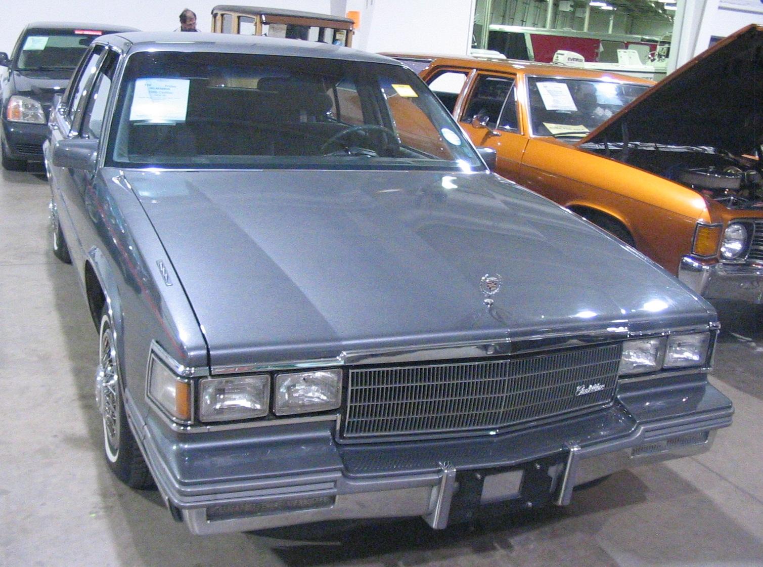 Cadillac Fleetwood Wikipedia 1955 Engine Sedan 19851992