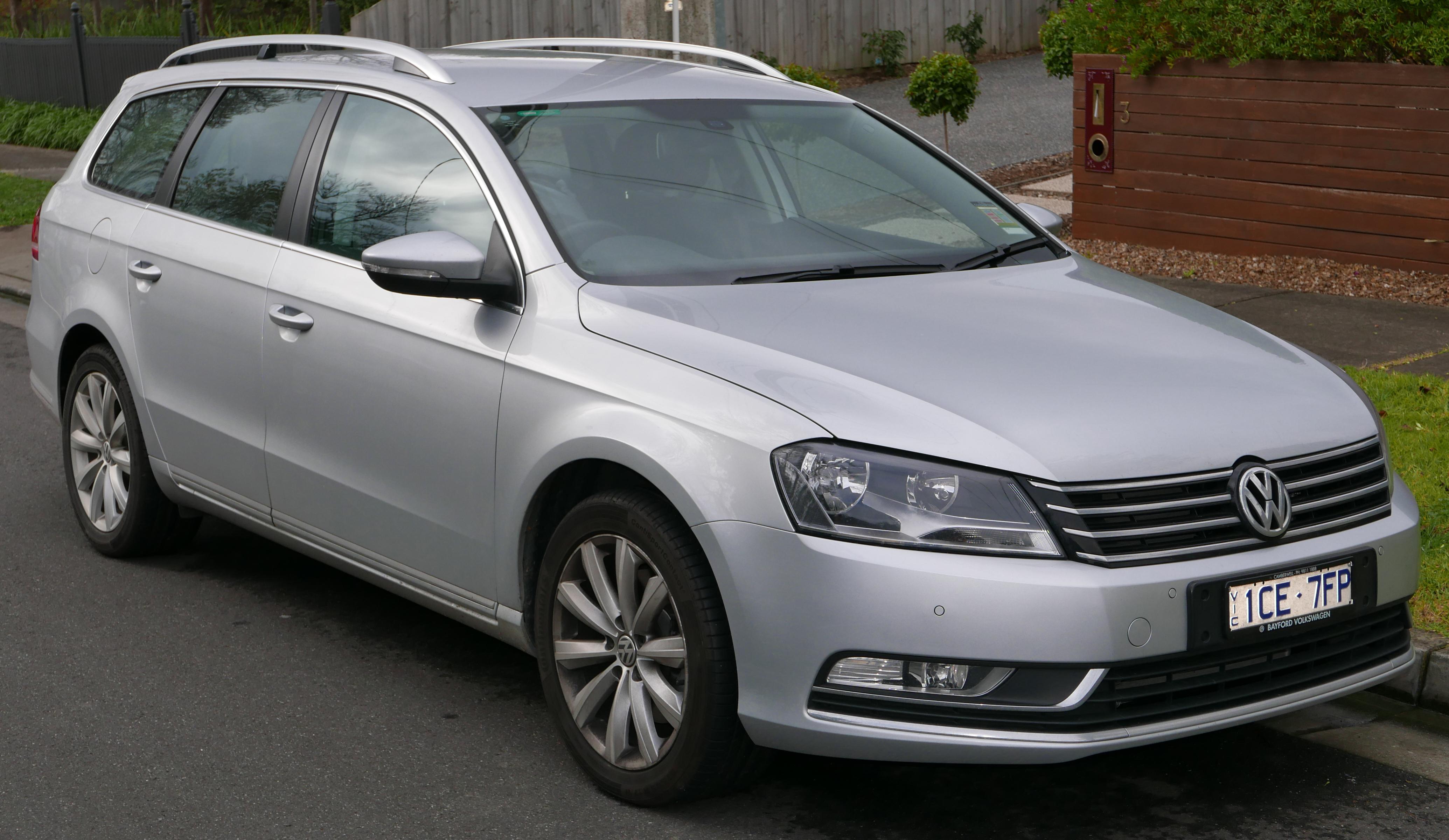File:2014 Volkswagen Passat (3C MY15) 118TSI station wagon (2015-08 ...