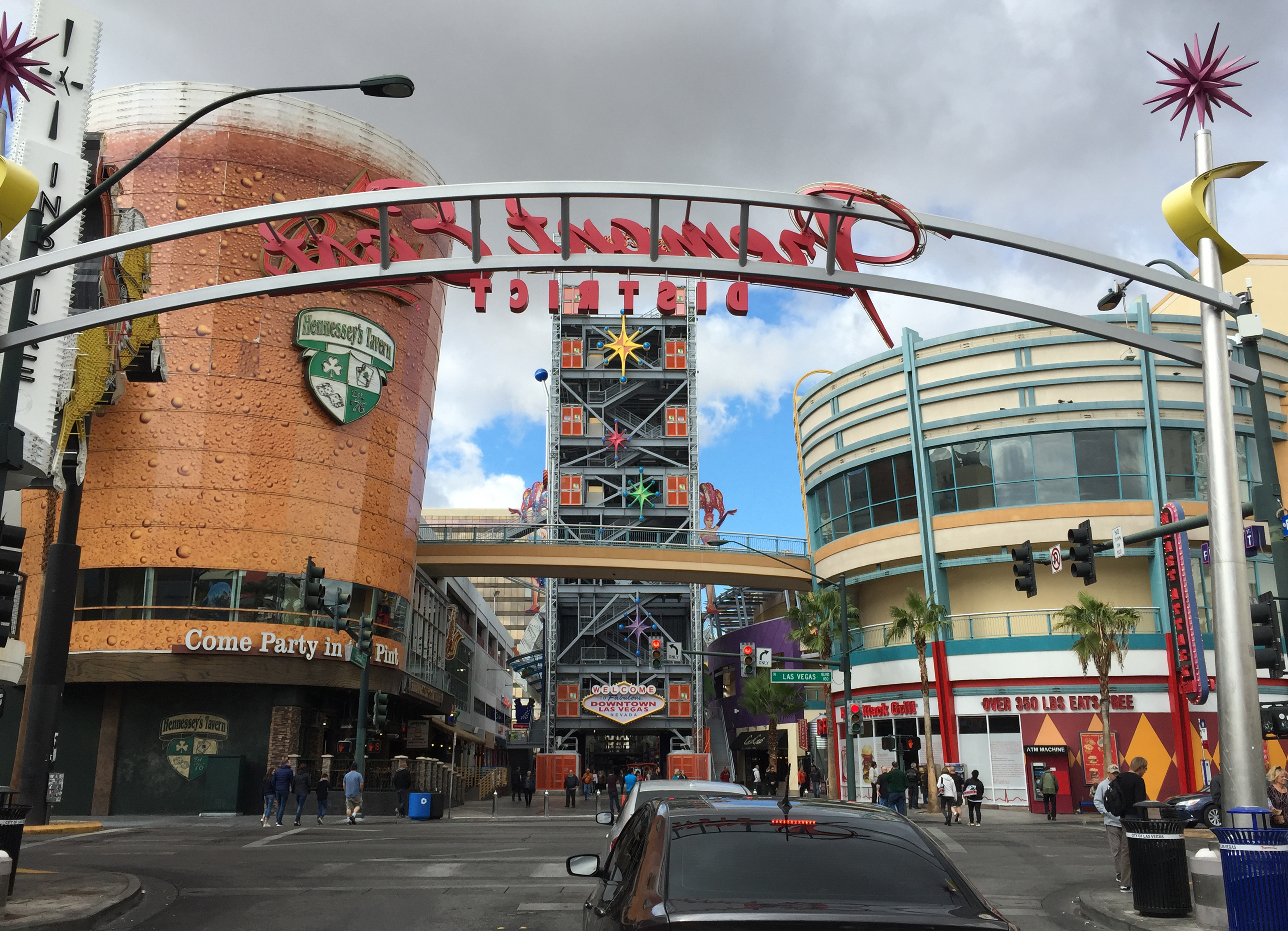 File 2015 11 04 11 29 02 View Northwest Along Fremont Street At The Northwest