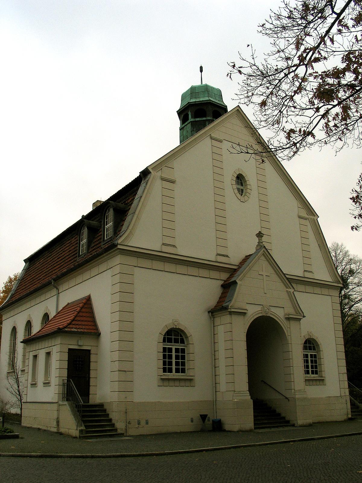 datei alte kapelle auf dem ricklinger stadtfriedhof hannover erbaut um 1912 g ttinger. Black Bedroom Furniture Sets. Home Design Ideas