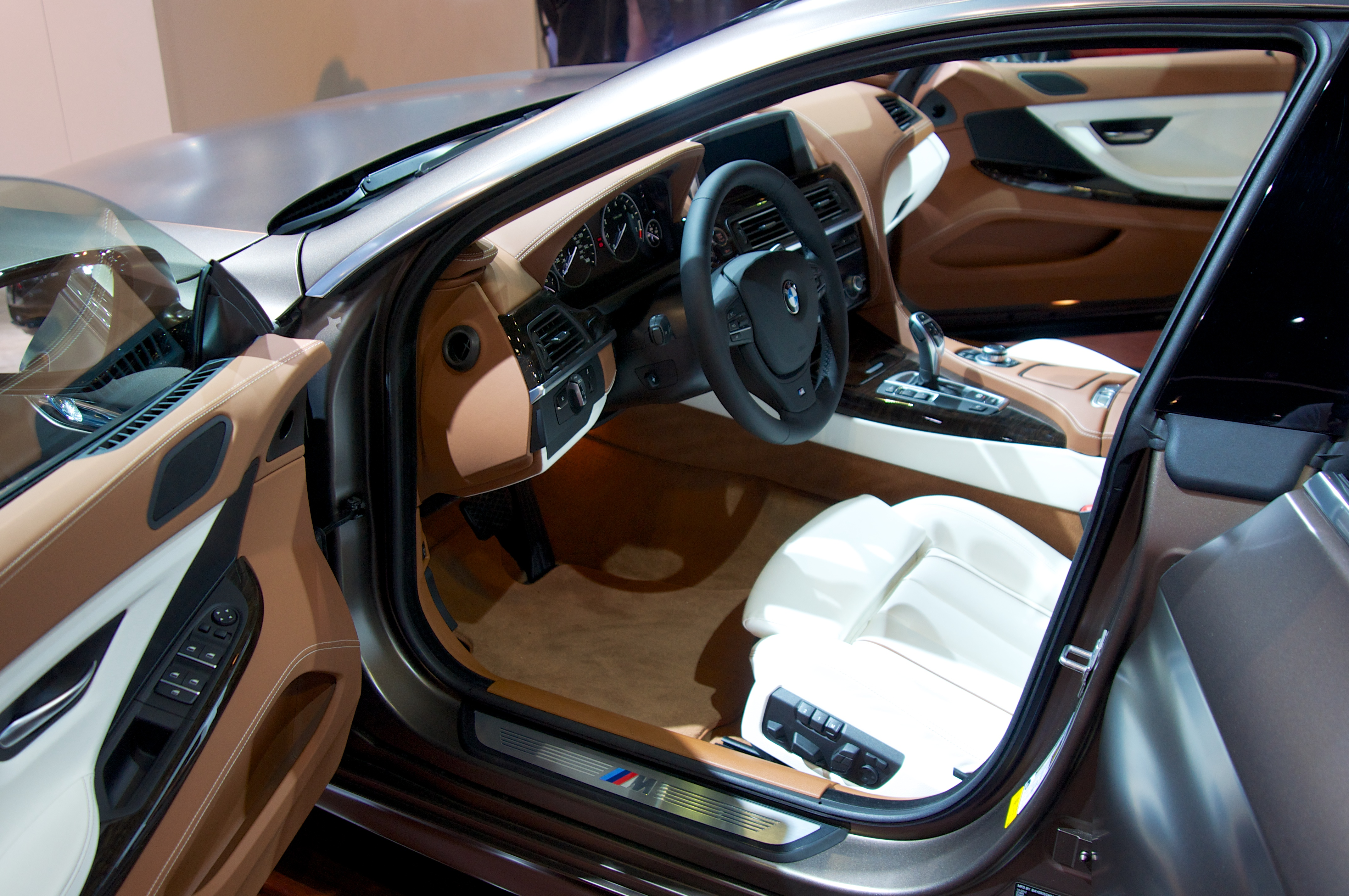 Bmw 650i gran coupe interior viewing gallery