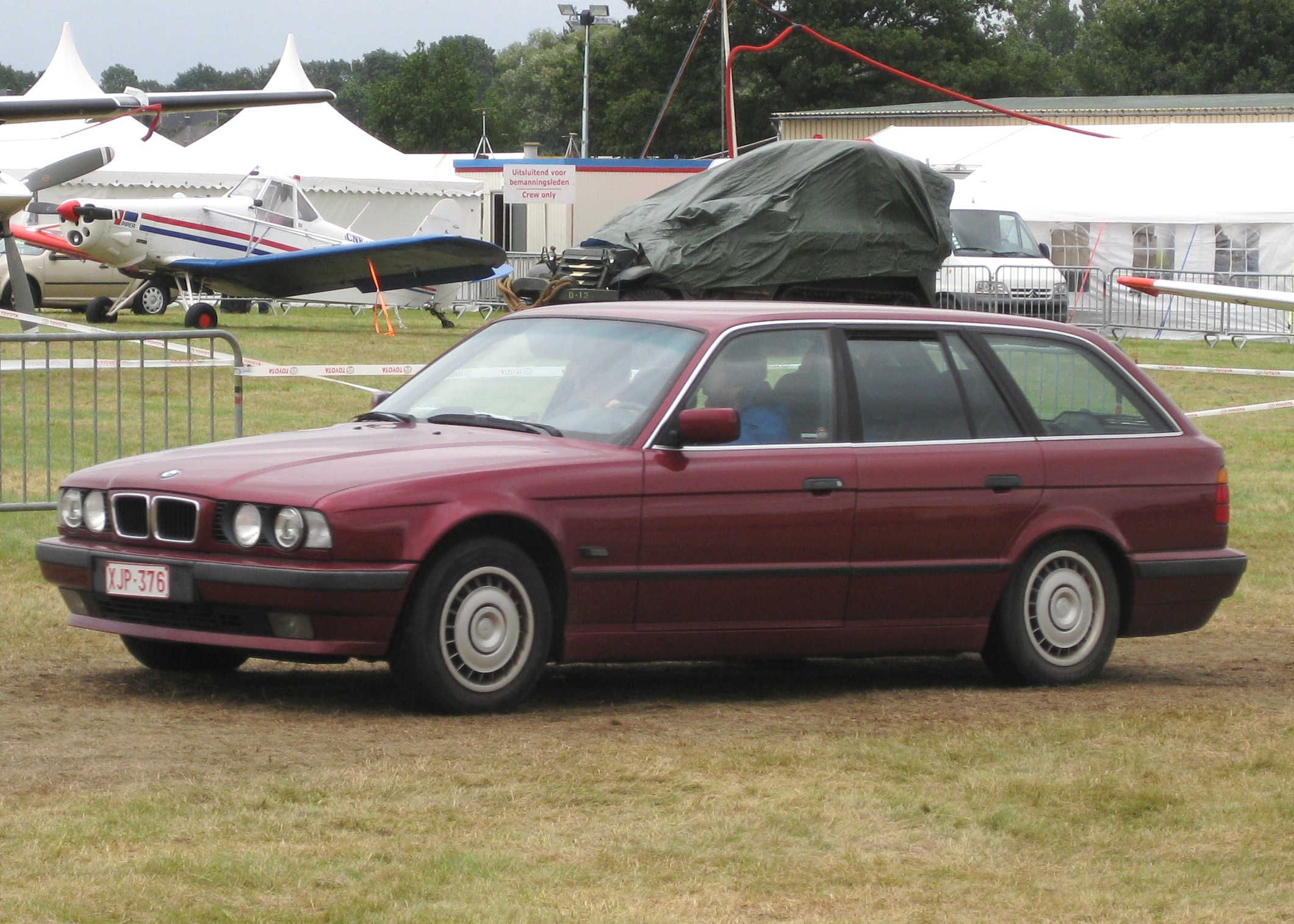 File Bmw E34 Touring Arrives At Schaffen Diest Jpg Wikimedia Commons