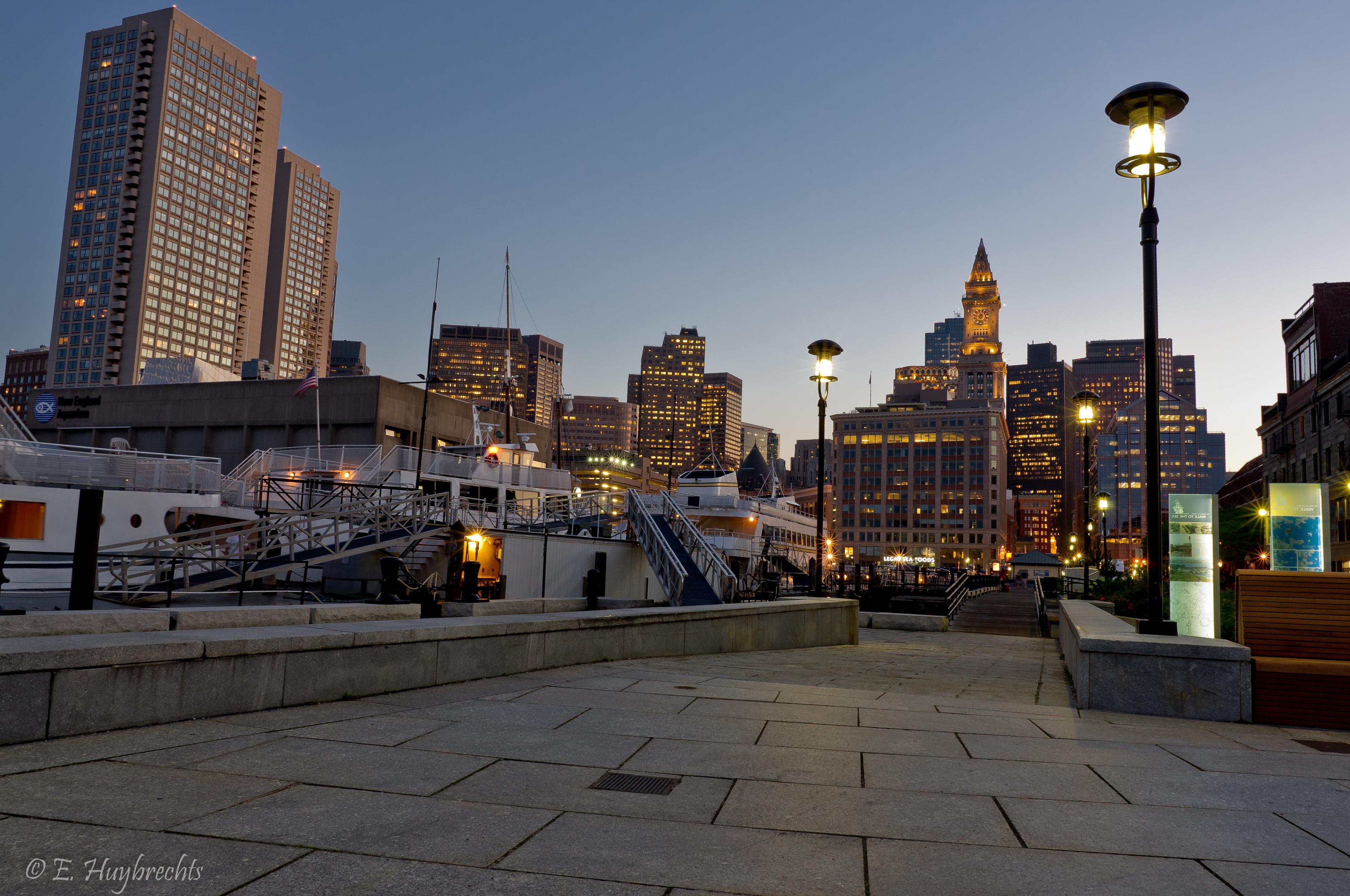 Downtown Boston  Hour Food