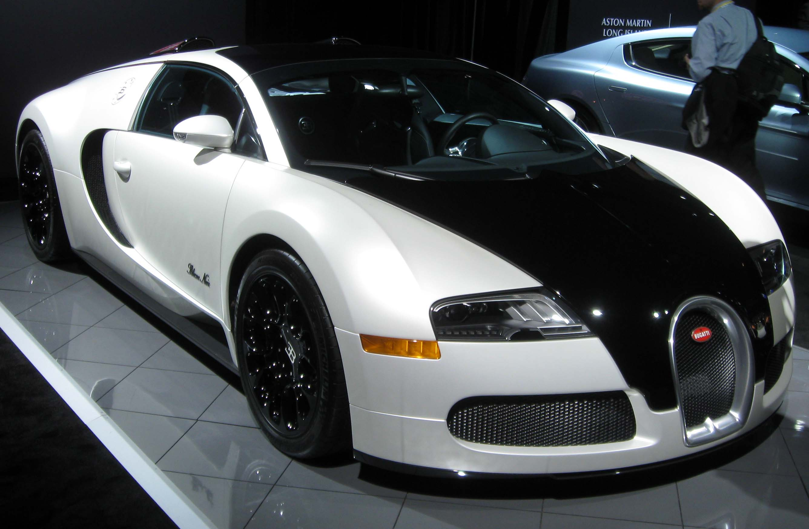 file bugatti veyron 2012 nyias jpg. Black Bedroom Furniture Sets. Home Design Ideas