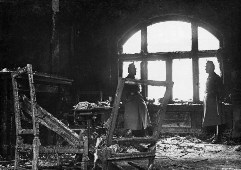 File:Bundesarchiv Bild 102-14367, Berlin, Reichstag, ausgebrannte Loge.jpg